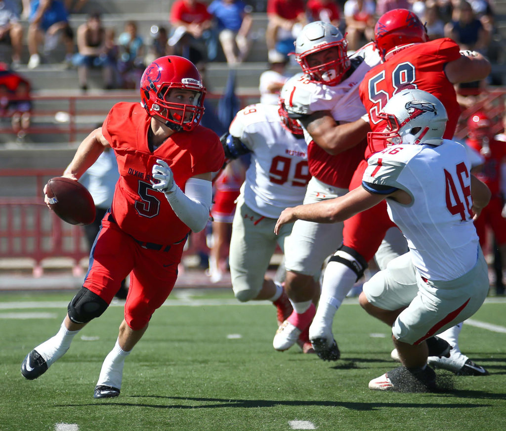 Dixie State's Blake Barney (5), Dixie State University vs. Western State Colorado University, Football , St. George, Utah, Oct. 1, 2016, | Photo by Robert Hoppie, ASPpix.com, St. George News