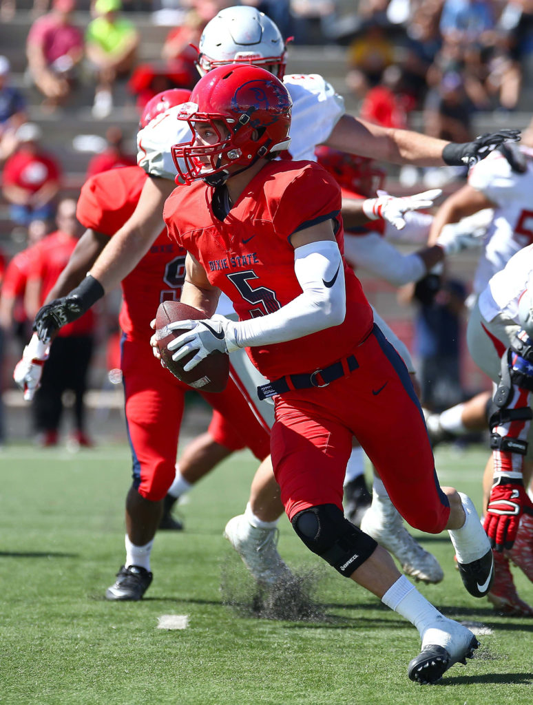 Dixie State's Blake Barney (5), Dixie State University vs. Western State Colorado University, Football , St. George, Utah, Oct. 1, 2016, | Photo by Robert Hoppie, ASPpix.com, St. George News