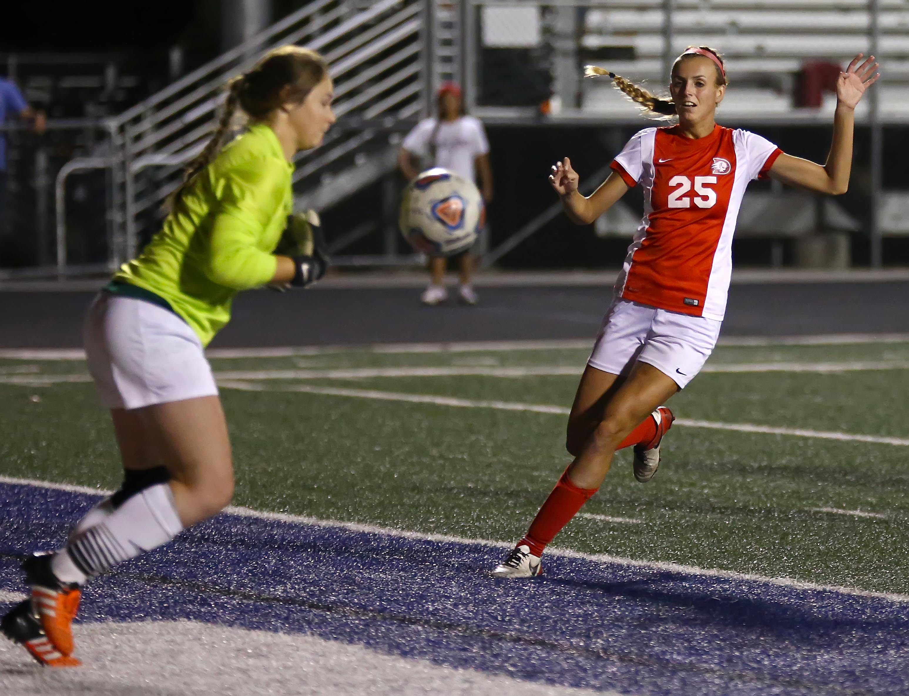 Dixie State's Bailey Kroll (25), Dixie State University vs. Dominican University, Womens Soccer, St. George, Utah, Oct. 29, 2016, | Photo by Robert Hoppie, ASPpix.com, St. George News