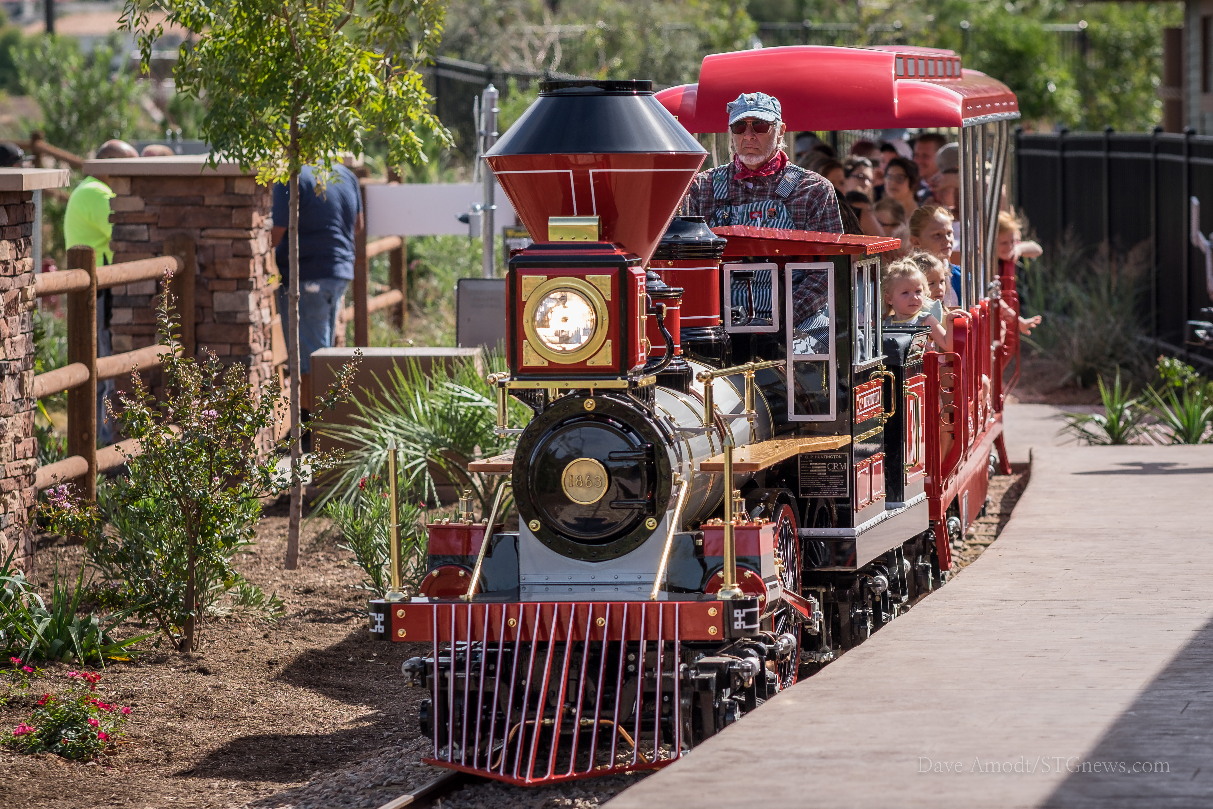 Thunder Junction opens to the public, St. George, Utah, Oct. 8, 2016 | Photo by Dave Amodt, St. George News