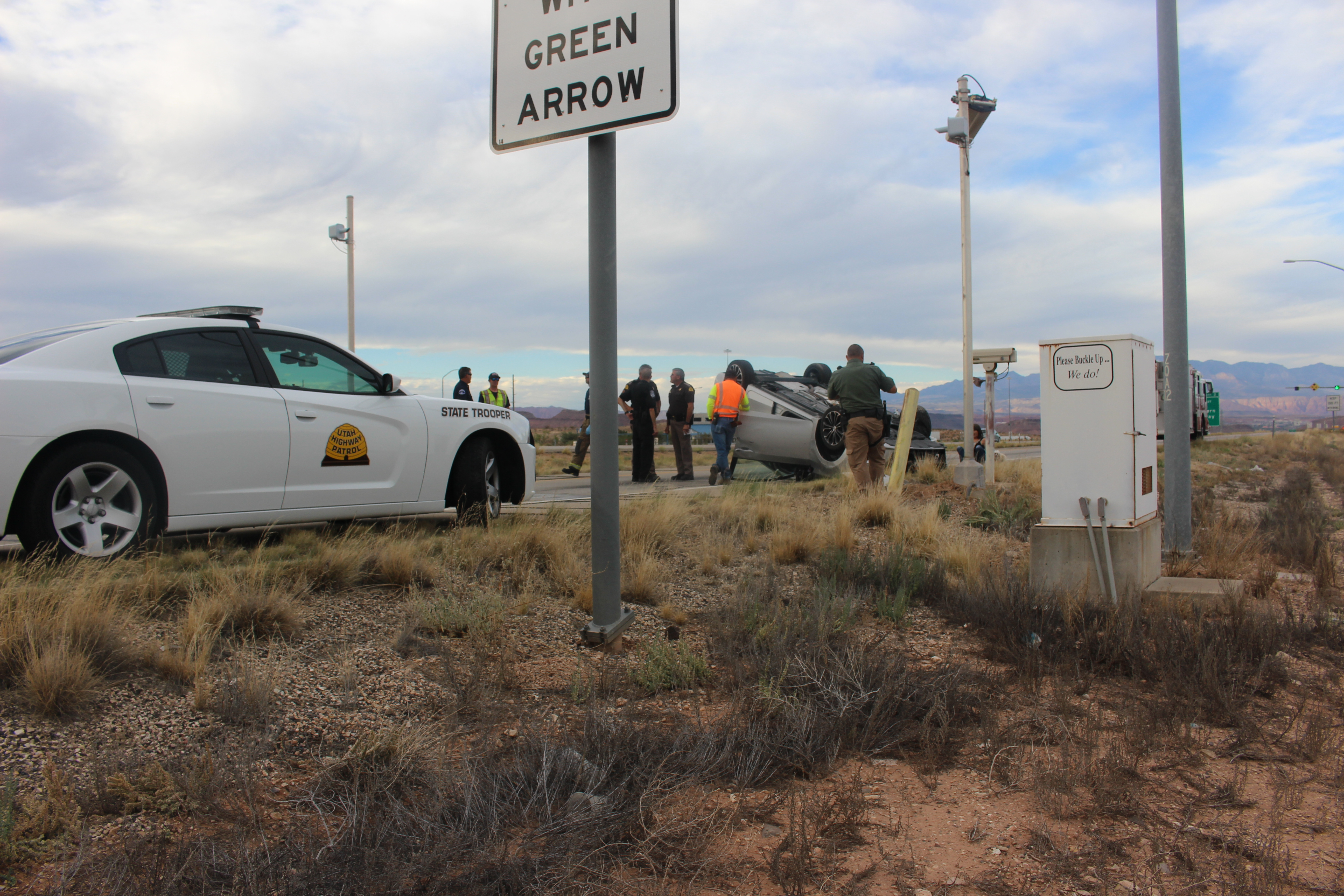 Emergency crews respond after a car rolled over at the Utah-Arizona port of entry, Oct. 14, 2016 | Photo by Joseph Witham, St. George News