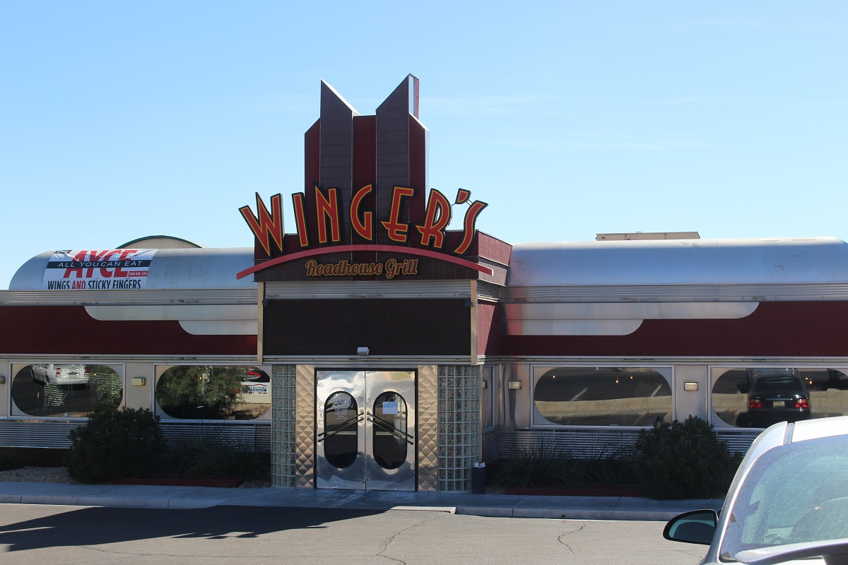 Wingers Roadhouse Diner on So. River Road where suspect ran through restaurant before being arrested in the parking lot, St. George, Utah, Oct. 15, 2016 | Photo by Cody Blowers, St. George News