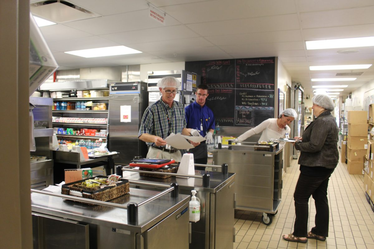 Eric Wilkinson and staff preparing more than 3,200 meals per day while the computer system upgrade takes place at Dixie Regional Medical Center's River Road Campus, St. George, Utah, Octg. 28, 2016 | Photo by Cody Blowers, St. George News