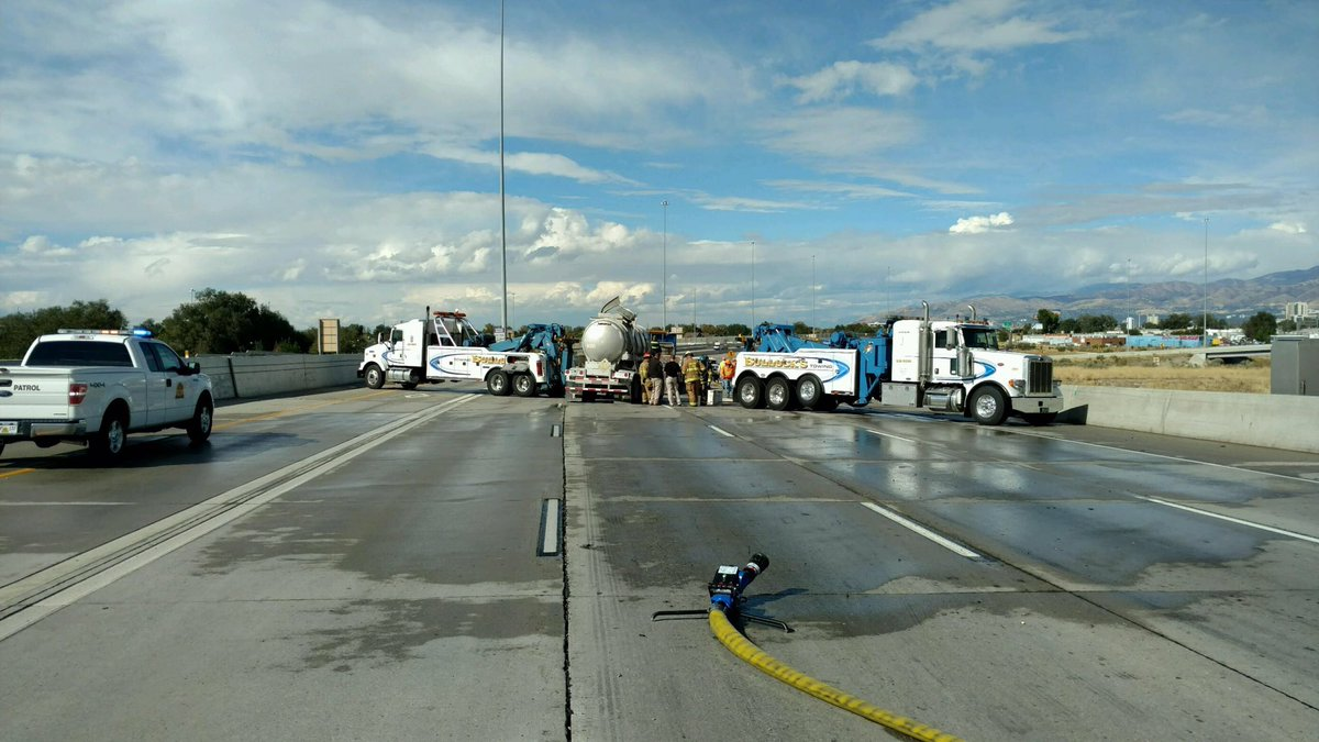 Crash on Interstate 15 northbound in Salt Lake County involved a pickup truck and trailer and a semi truck pulling two tanker trailers caused nearly 8 hours of road closures Wednesday, Salt Lake County, Utah, Oct. 5, 2016 | Photo provided by Utah Department of Public Safety, St. George News