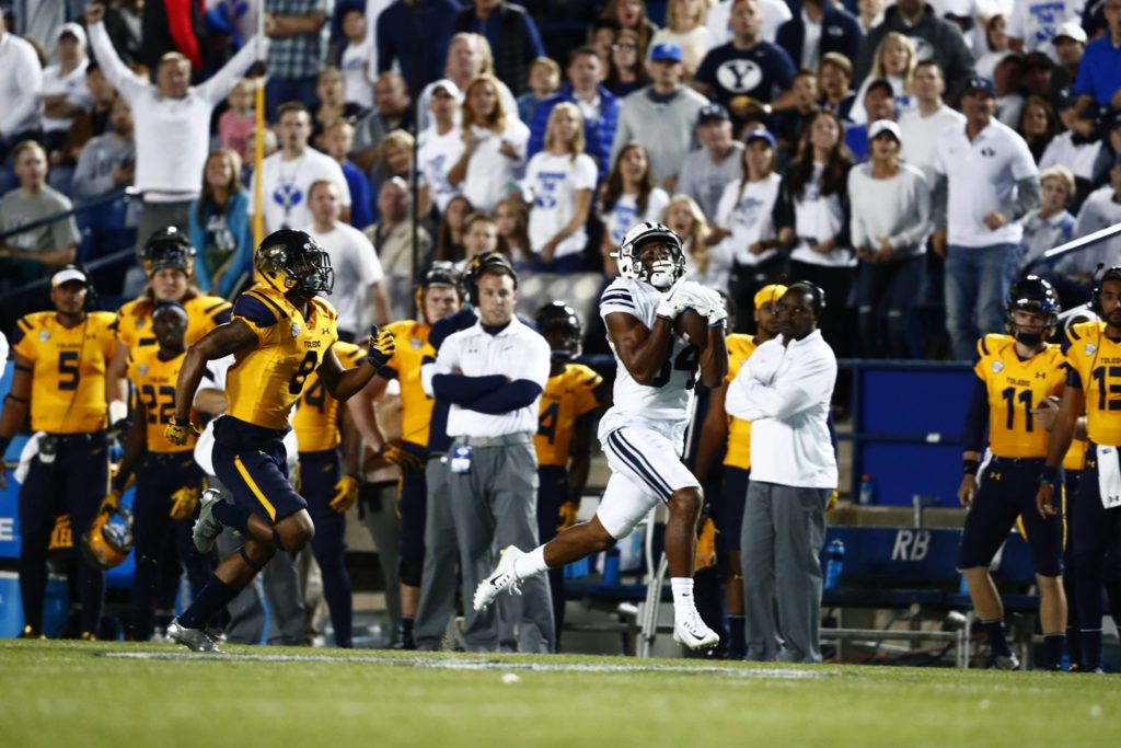 Jonah Trinnaman catches a long TD pass for the Cougars, Toledo vs. BYU, Provo, Utah, Sept. 30, 2006 | Photo by BYU Photo