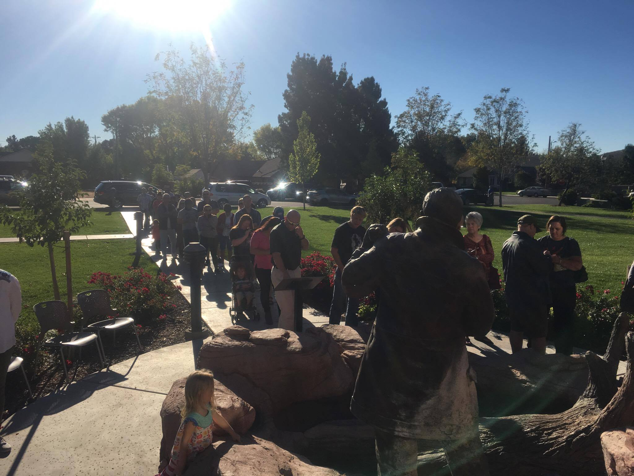 The line to vote in Santa Clara, is growing. This photo taken at about 9:20 a.m. at 2603 Santa Clara Drive. Electronic voting machines remain out of order and paper ballots are being utilized. Santa Clara, Utah, Nov. 8, 2016 | Photo by Hollie Reina, St. George News