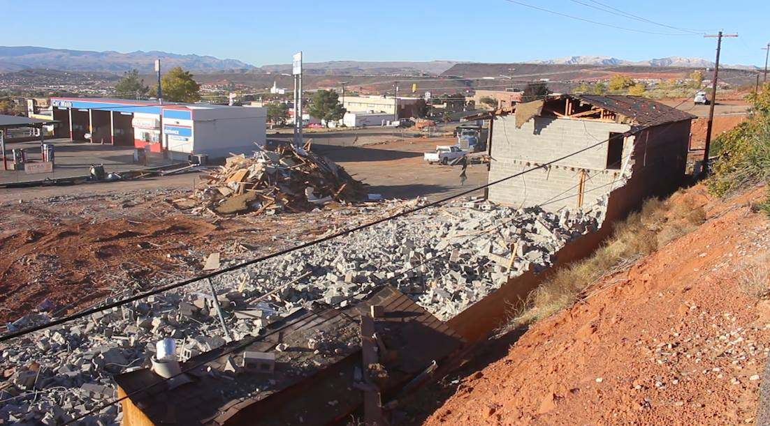 The Knights Inn located at 175 N. 1000 East undergoes demolition to make way for construction of a Comfort Inn in its place, St. George, Utah, Nov. 29, 2016 | Photo by Mike Cole, St. George News