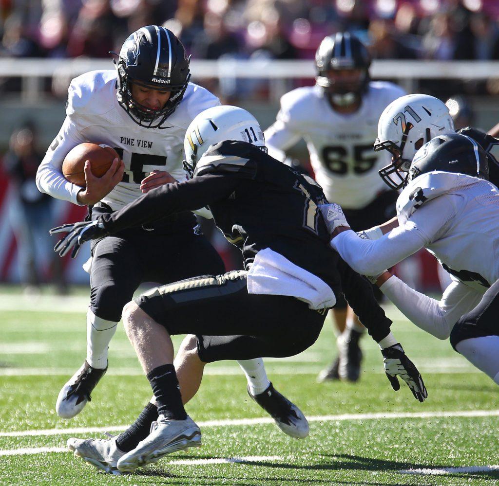 Pine View's Ryan Javines (15), Desert Hills vs. Pine View, 3AA State Championship, Football, Salt Lake City, Utah, Nov. 18, 2016, | Photo by Robert Hoppie, ASPpix.com, St. George News