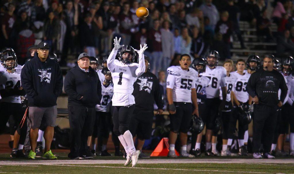 Pine View's Lance Mandrigues (1), Dixie vs. Pine View, 3AA Football Semifinals, Cedar City, Utah, Nov. 11, 2016, | Photo by Robert Hoppie, ASPpix.com, St. George News