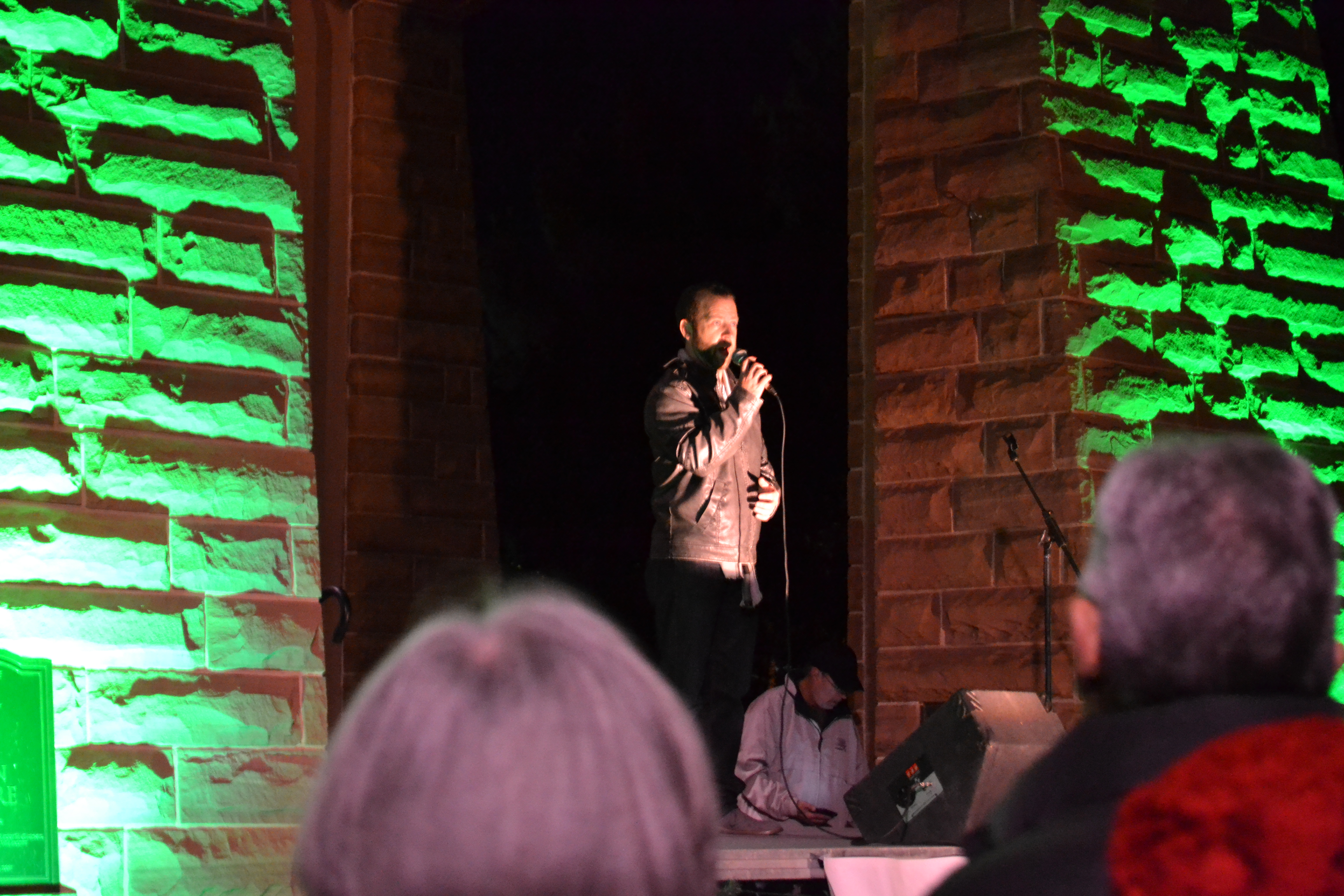 Entertainer Brodie Perry sings at the St. George Town Square Christmas Lighting, St. George, Utah, Nov. 28, 2016 | Photo by Joseph Witham, St. George News