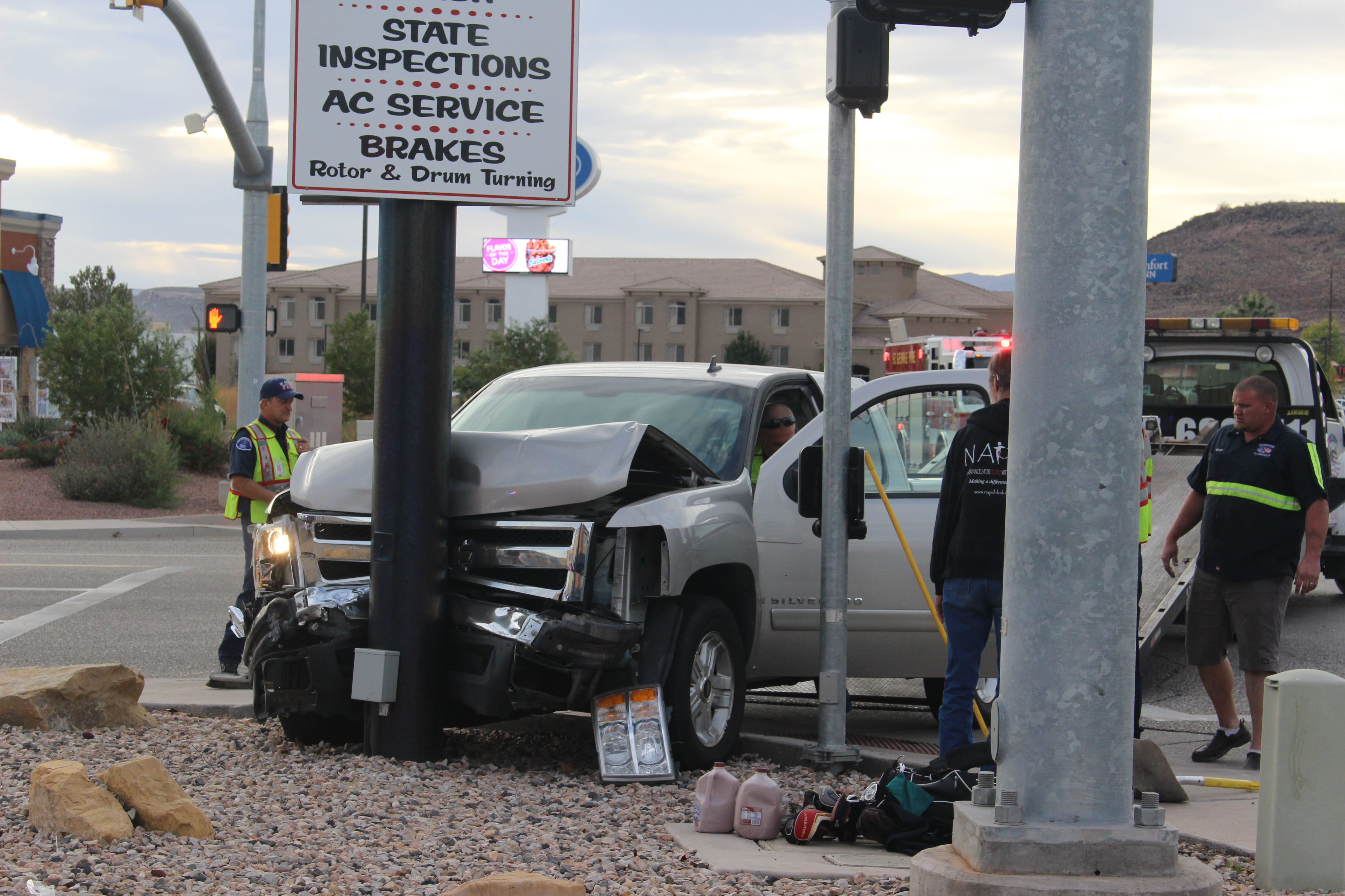 Emergency personnel clean up after a 3-car crash on Riverside Drive, St. George, Utah, Nov. 12, 2016 | Photo by Joseph Witham, St. George News