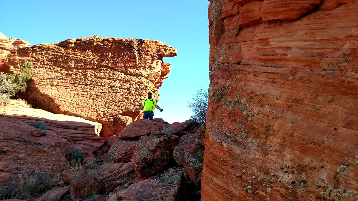 Rescuers hiked on foot to locate lost hiker near Red Mountain trail Friday, Washington County, Utah, Nov. 11, 2016 | Photo courtesy of Darrell Cashin, St. George Newsl