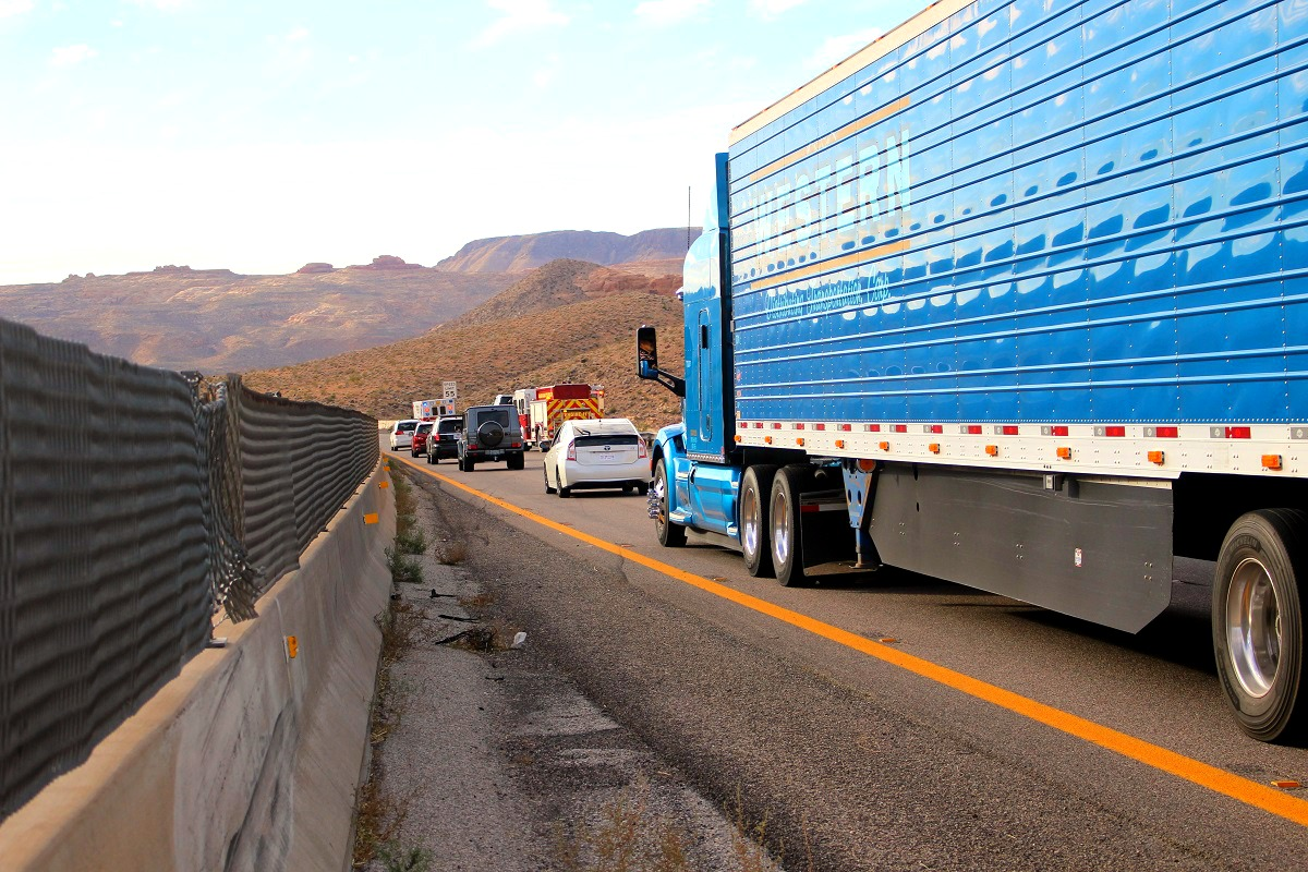 The scene of the single vehicle crash on southbound Interstate 15 near mile marker 23 in the Virgin River Gorge, Mohave County, Ariz., November 26, 2016 | Photo by Cody Blowers, St. George News