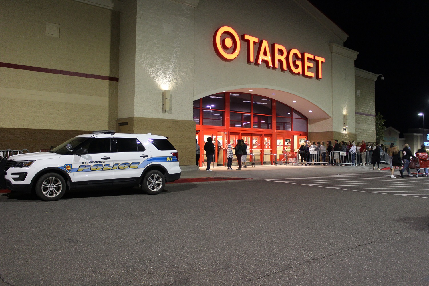 Customers entered 15 at a time every 20 seconds when doors opened during Target's Black Friday 2016,with St. George Police officers on hand Thursday, St. George, Utah, Nov. 24, 2016 | Photo by Cody Blowers, St. George News