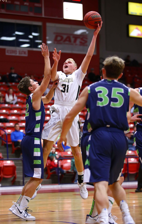Desert Hills' Tucker Peterson (31), Desert Hills vs. Ridgeline, Boys Basketball, St. George, Utah, Dec. 15, 2016, | Photo by Robert Hoppie, ASPpix.com, St. George News