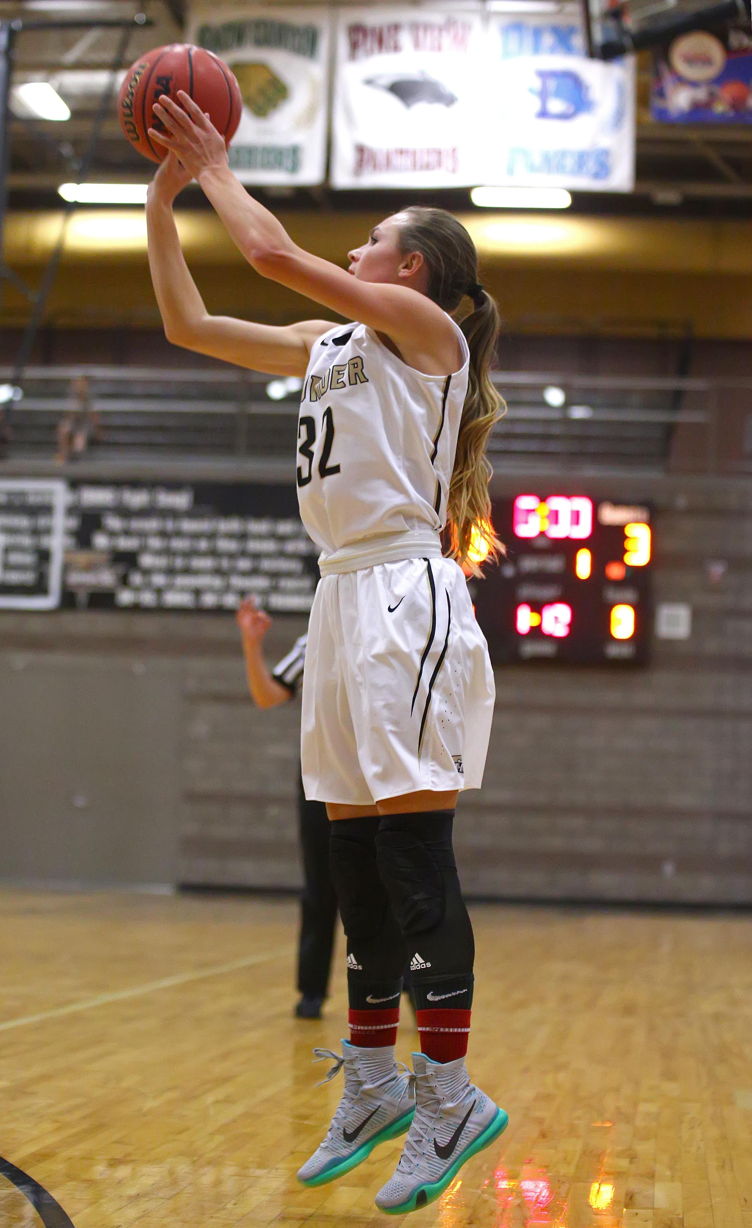 Desert Hills' Morgan Myers (32), Desert Hills vs. Pleasant Grove, Girl's Basketball, St. George, Utah, Dec. 1, 2016, | Photo by Robert Hoppie, ASPpix.com, St. George News