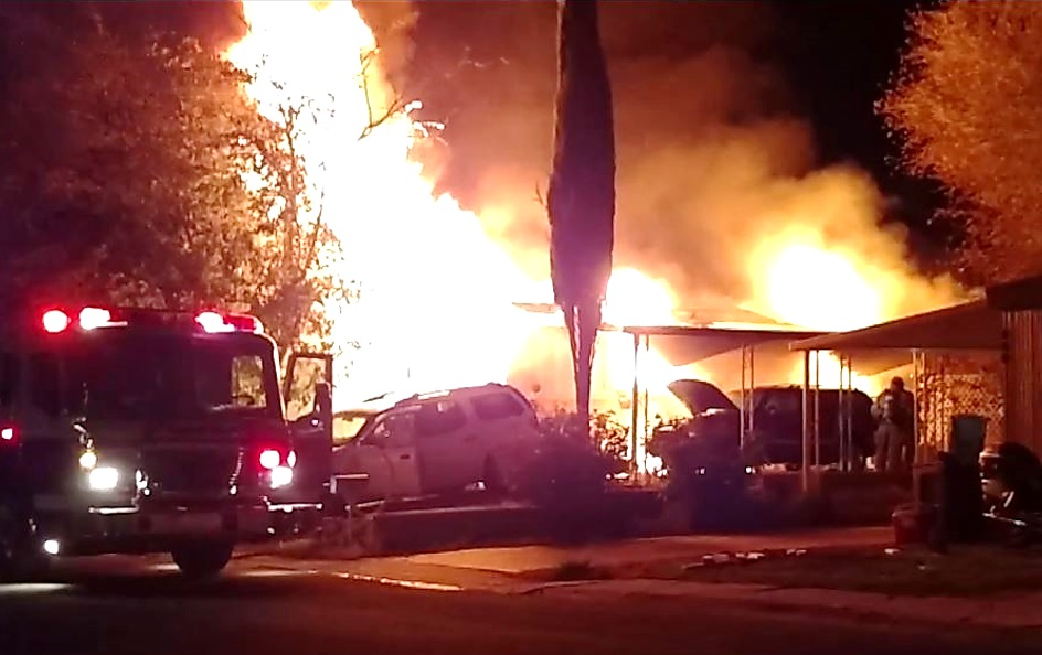 A Washington City man and 3-year-old child died after succumbing to the injuries they received during a mobile home fire located at 434 East Angie Lane, Washington City, Utah, Dec. 6, 2016 | Photo courtesy of Brad Jensen, St. George News