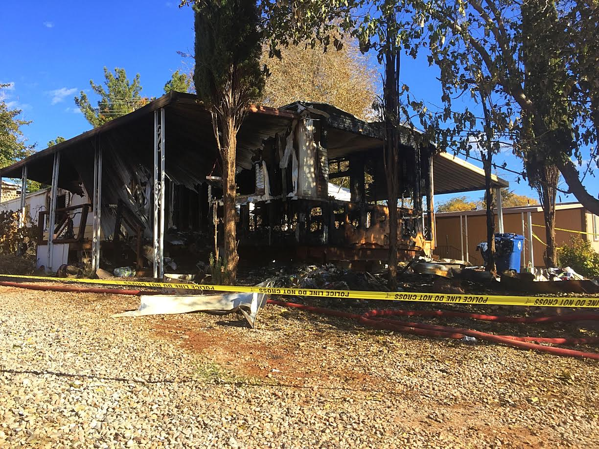 The aftermath of a fire that claimed the life of a Washington City man and left a woman and her 3-year-old child in critical condition, 434 East Angie Lane, Washington City, Utah, Dec. 6, 2016 | Photo by Kimberly Scott, St. George News