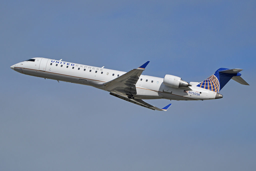 Bombardier CRJ700 operated by SkyWest for United Express, Los Angeles, California, Feb. 8, 2014 | Photo by Alan Wilson via Wikimedia, St. George News
