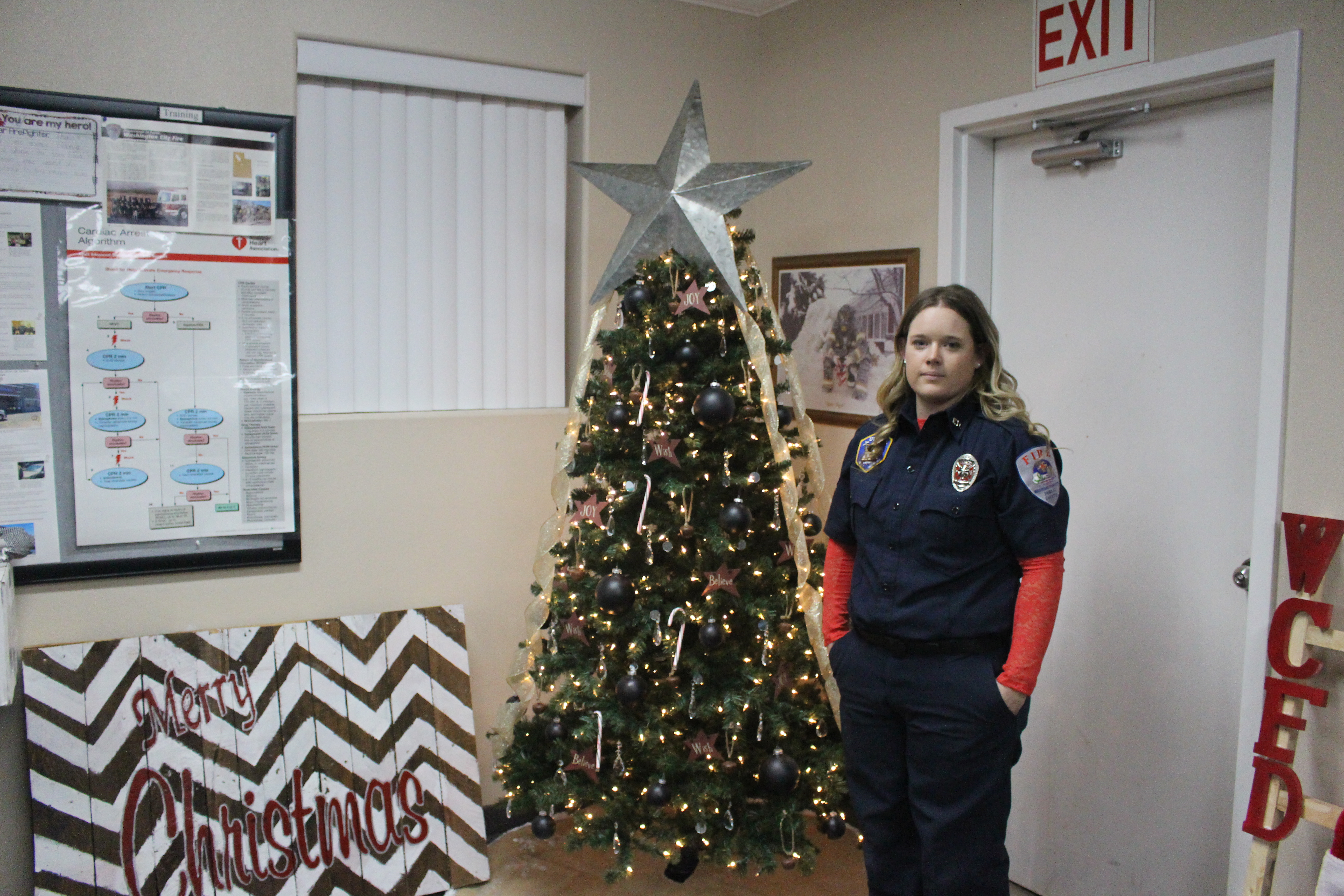 Krystle Lake stands next to one of the many Angel Trees she decorated and donated, Washington, Utah, Dec. 22, 2016 | Photo by Joseph Witham, St. George News
