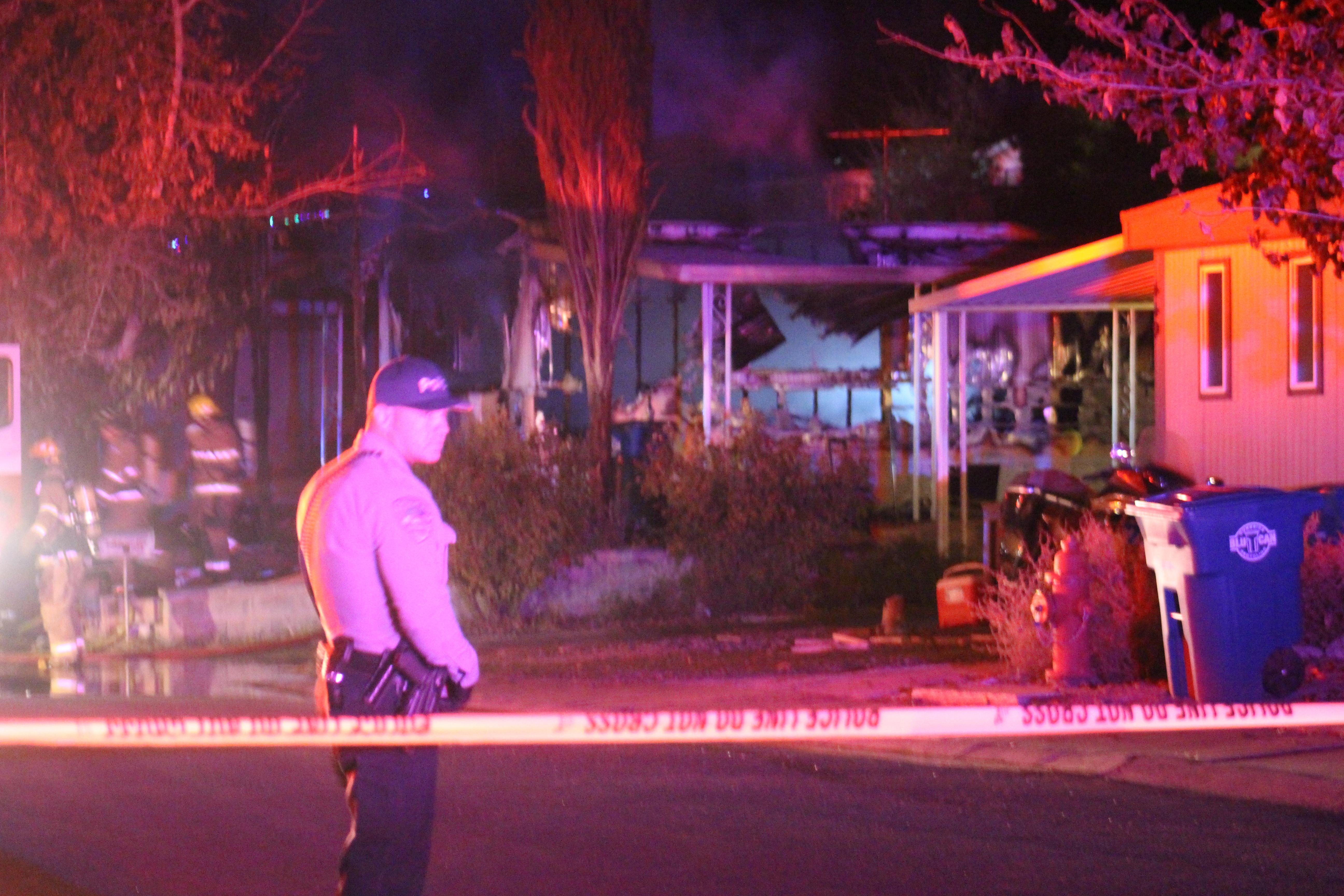 Washington City Police respond to a mobile home fire, Washington, Utah, Dec. 5, 2016 | Photo by Joseph Witham, St. George News