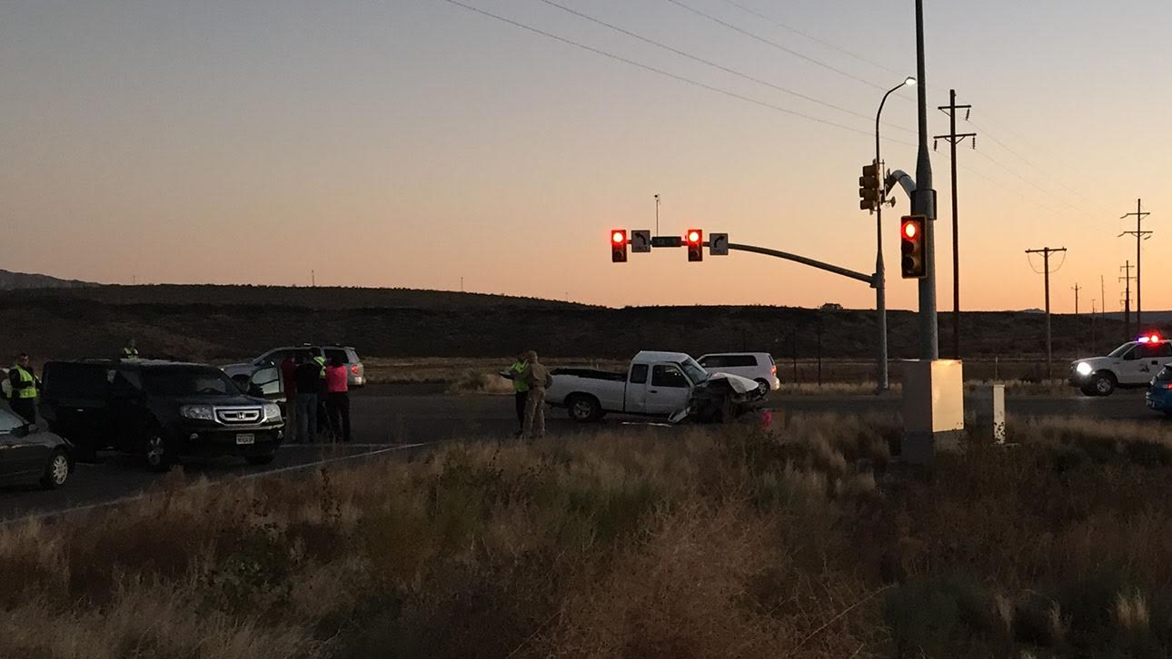 Scene at SR-9 and 3400 West where two crashes occurred 40 minutes apart involving five cars total Saturday in Hurricane, Utah, Dec. 3, 2016 | Photo by Ron Chaffin St. George News