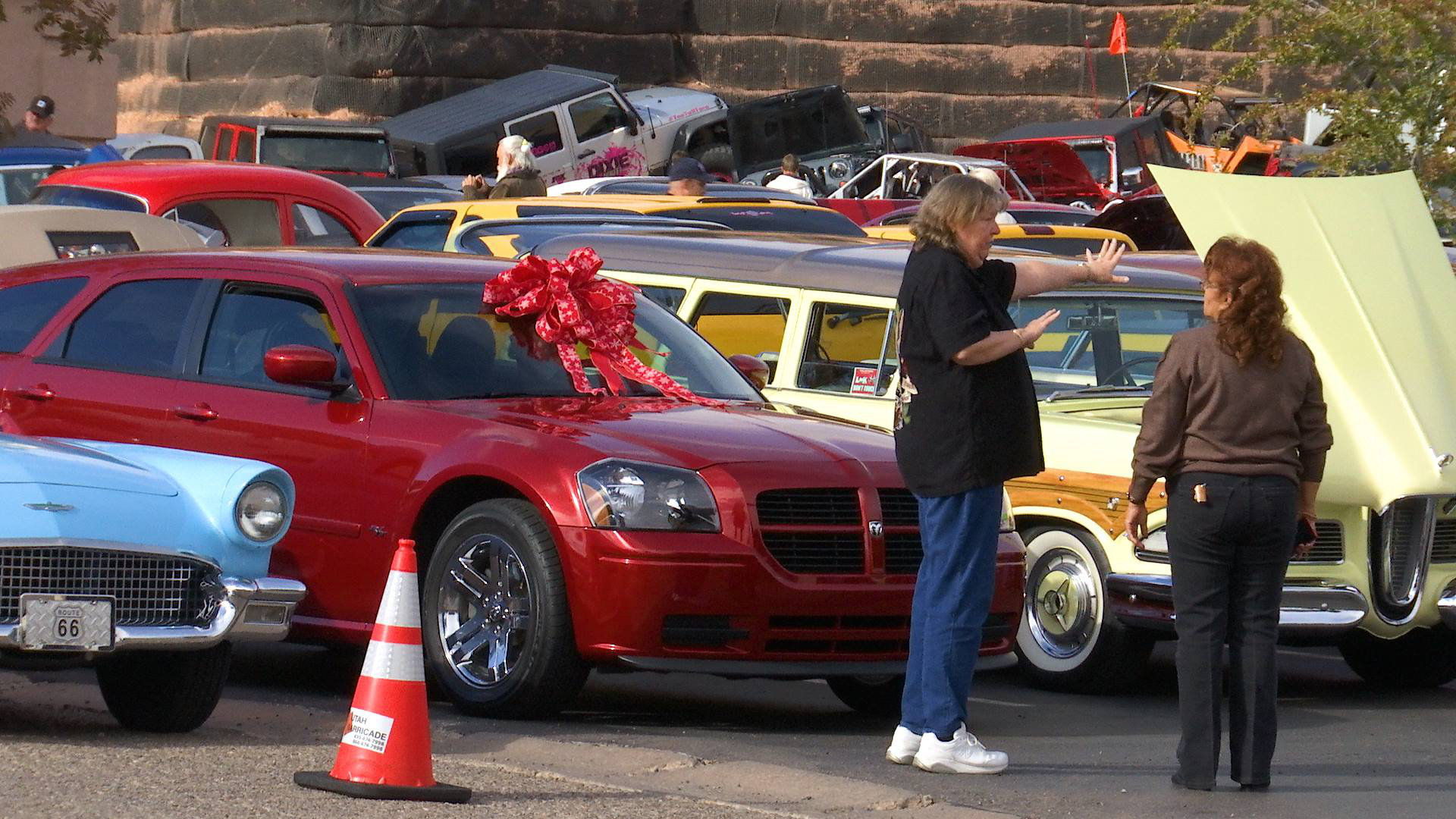 The annual Car Guys Car Toys for Tots fundraising event features more than 100 vehicles on display and raises thousands of dollars, St. George, Utah, Dec. 10, 2016 | Photo by Sheldon Demke, St. George News