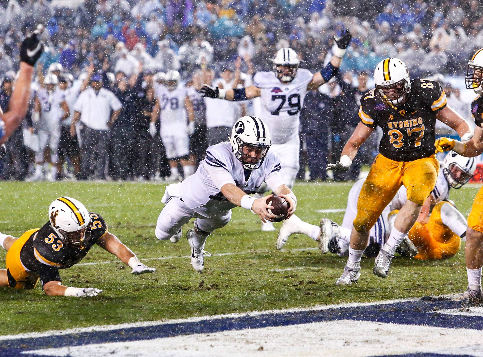 Tanner Mangum dives for a touchdown, BYU vs. Wyoming, San Diego, Cailf., Dec.21, 2016 | Photo by BYU Photo