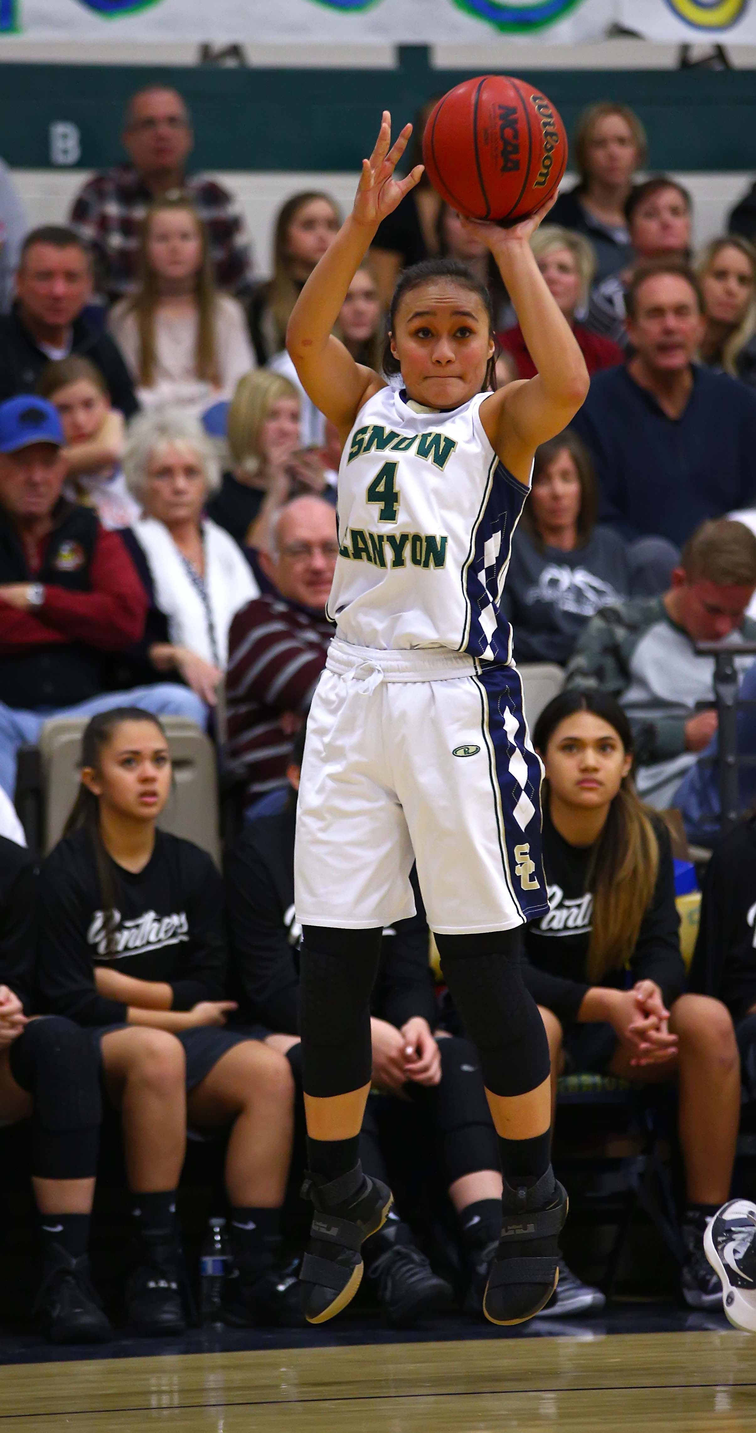 Snow Canyon's Jasmine Lealao (4), Snow Canyon vs. Pine View, Girls Basketball, St. George, Utah, Jan. 10, 2017, | Photo by Robert Hoppie, ASPpix.com, St. George News