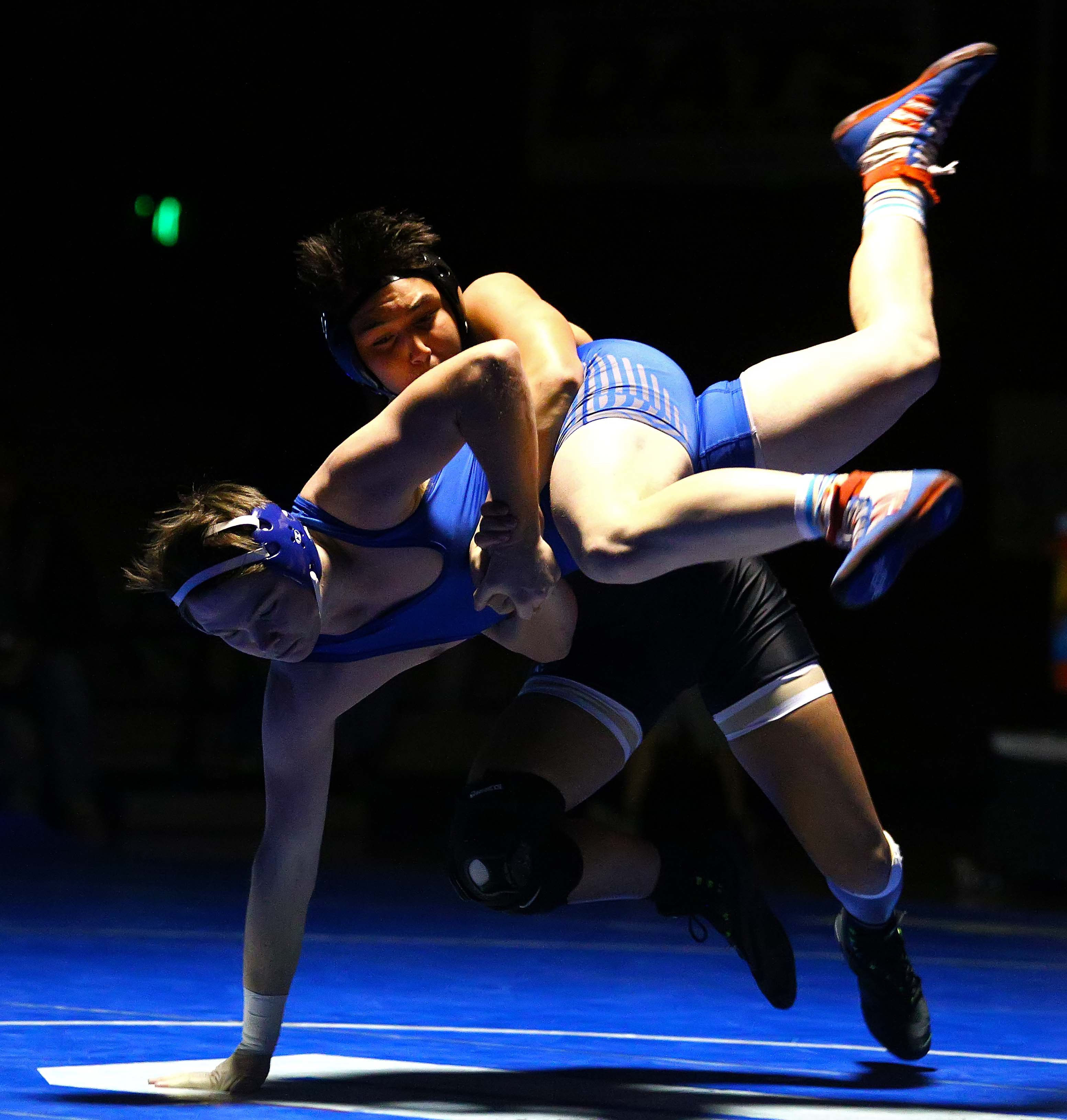 Jason Longmore for Dixie and Liam Williams for DH at 170, Dixie vs. Desert Hills, Wrestling, St. George, Utah, Jan. 12, 2017, | Photo by Robert Hoppie, ASPpix.com, St. George News