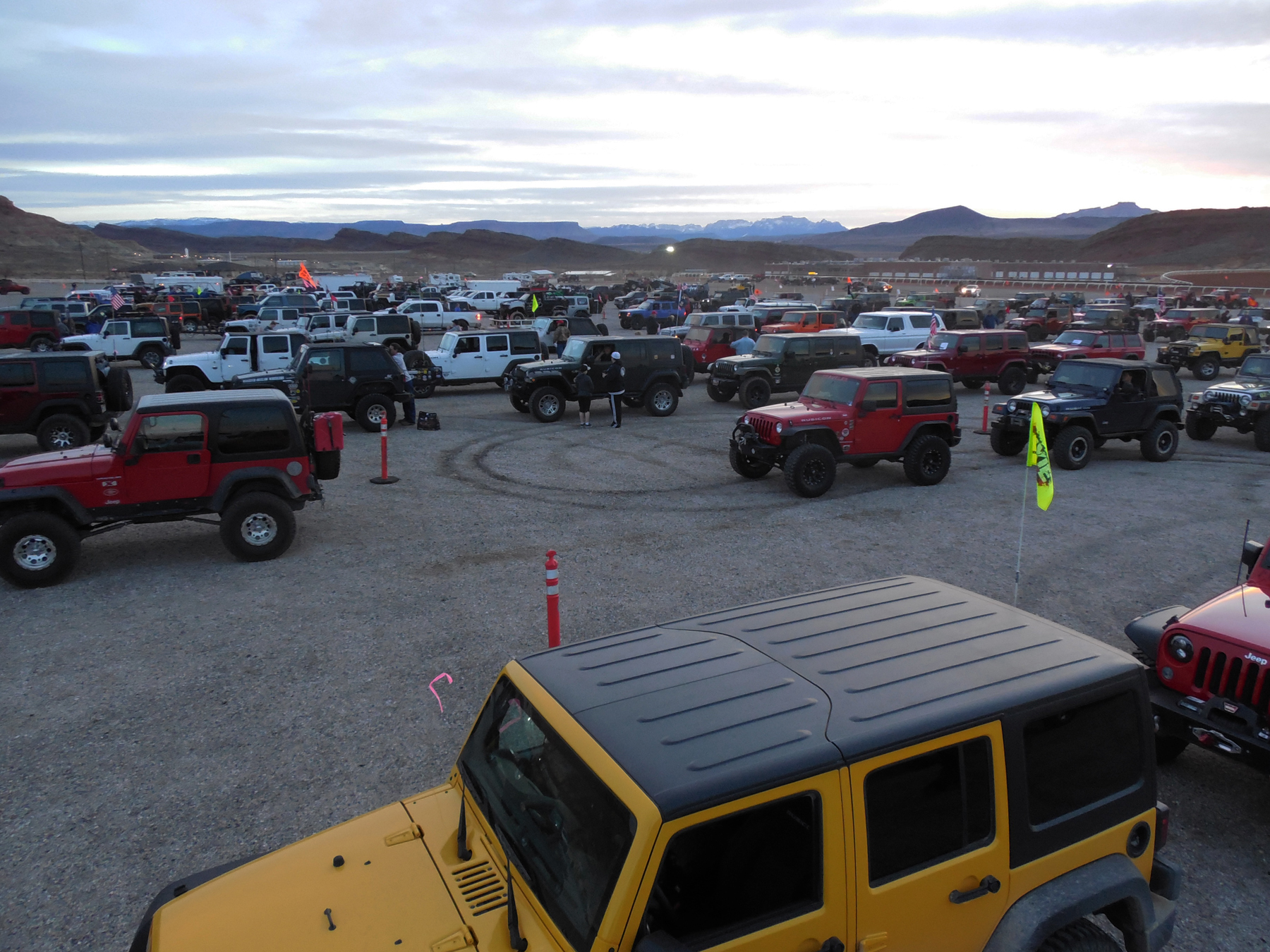 Participants in the 2016 Winter 4x4 Jamboree line up for trail runs, Hurricane, Utah, Jan. 22, 2016 | Photo courtesy of Desert Roads and Trails Society, St. George News