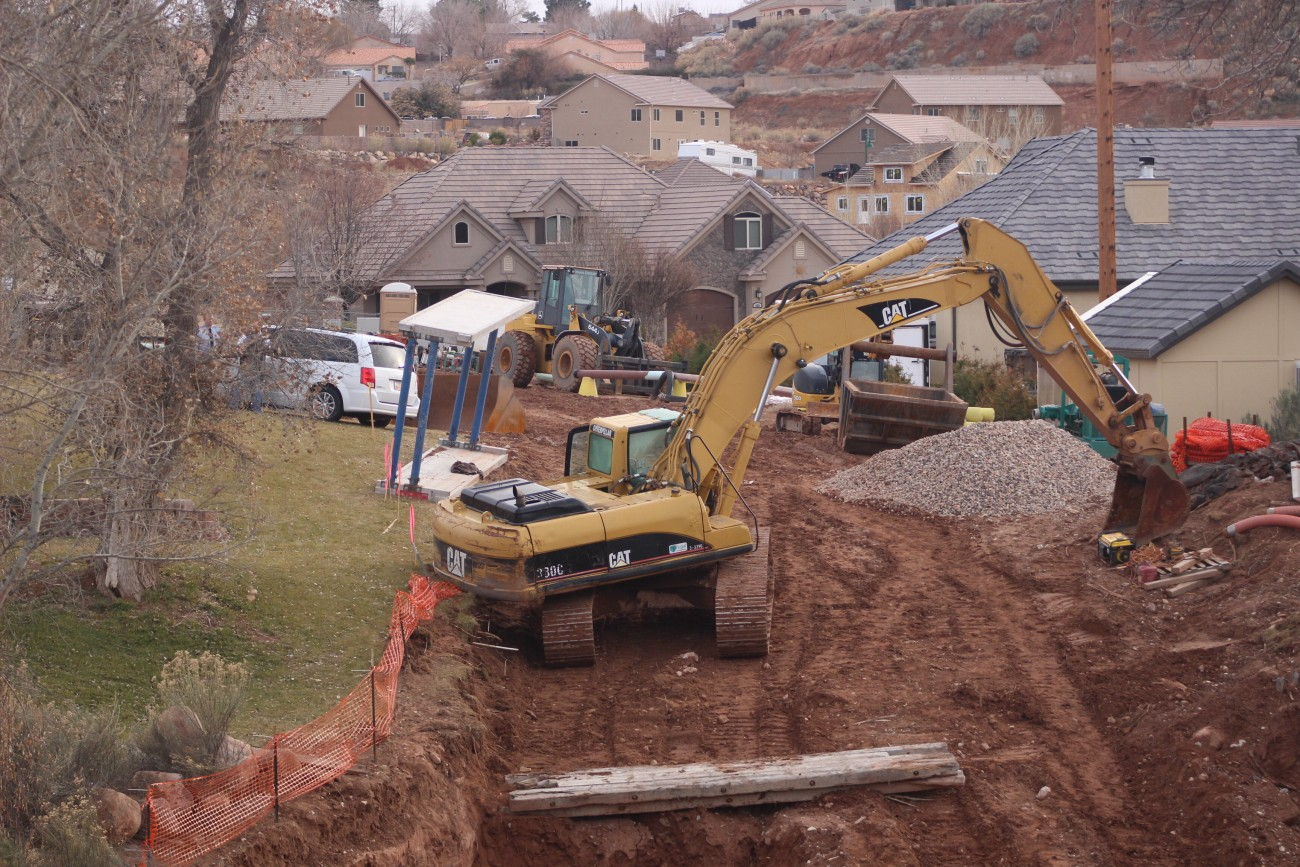 A trackhoe accident at a construction site resulted in a man's death in LaVerkin, Utah, Jan. 3, 2017   Photo by Mori Kessler, St. George News