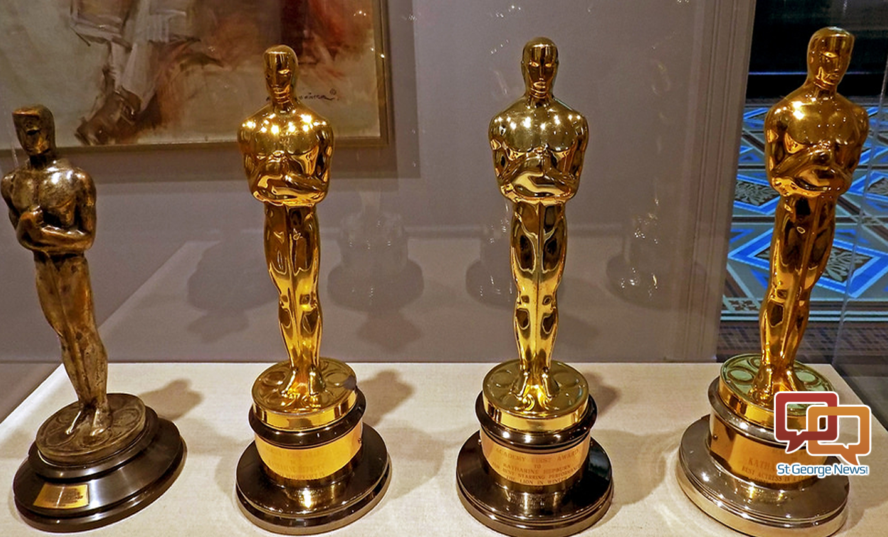 2 additionally Oscars Party Printables 2012 Nominees likewise Angel Awards further Oscar Trophy Chocolate together with The Oscar Goes To You With These Photo Booth Party Ideas. on oscar award statue favors