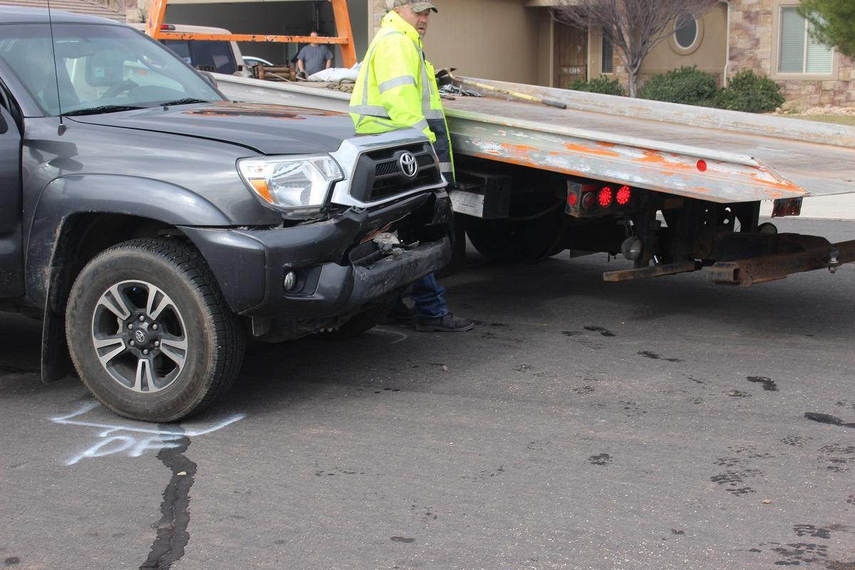 Head On Crash In Hurricane Injures 2 Drivers 1 Dog St