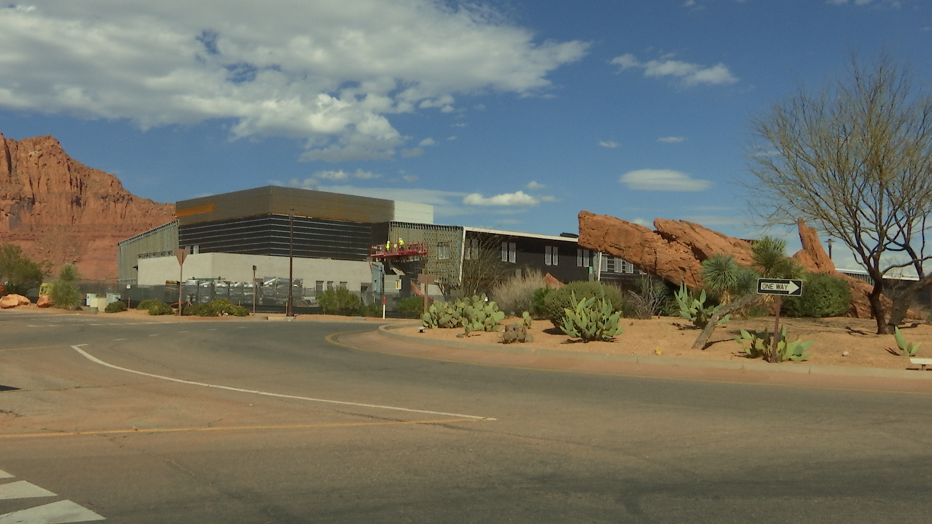 ivins men Paradise village at zion is a new community located within the town boundaries of santa clara, utah to the east, the colorful facade of snow canyon state park.