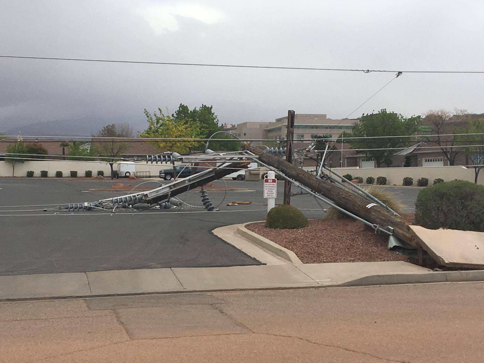 News Live Power Outages Reported As Wind And Dust Sweeps Through St