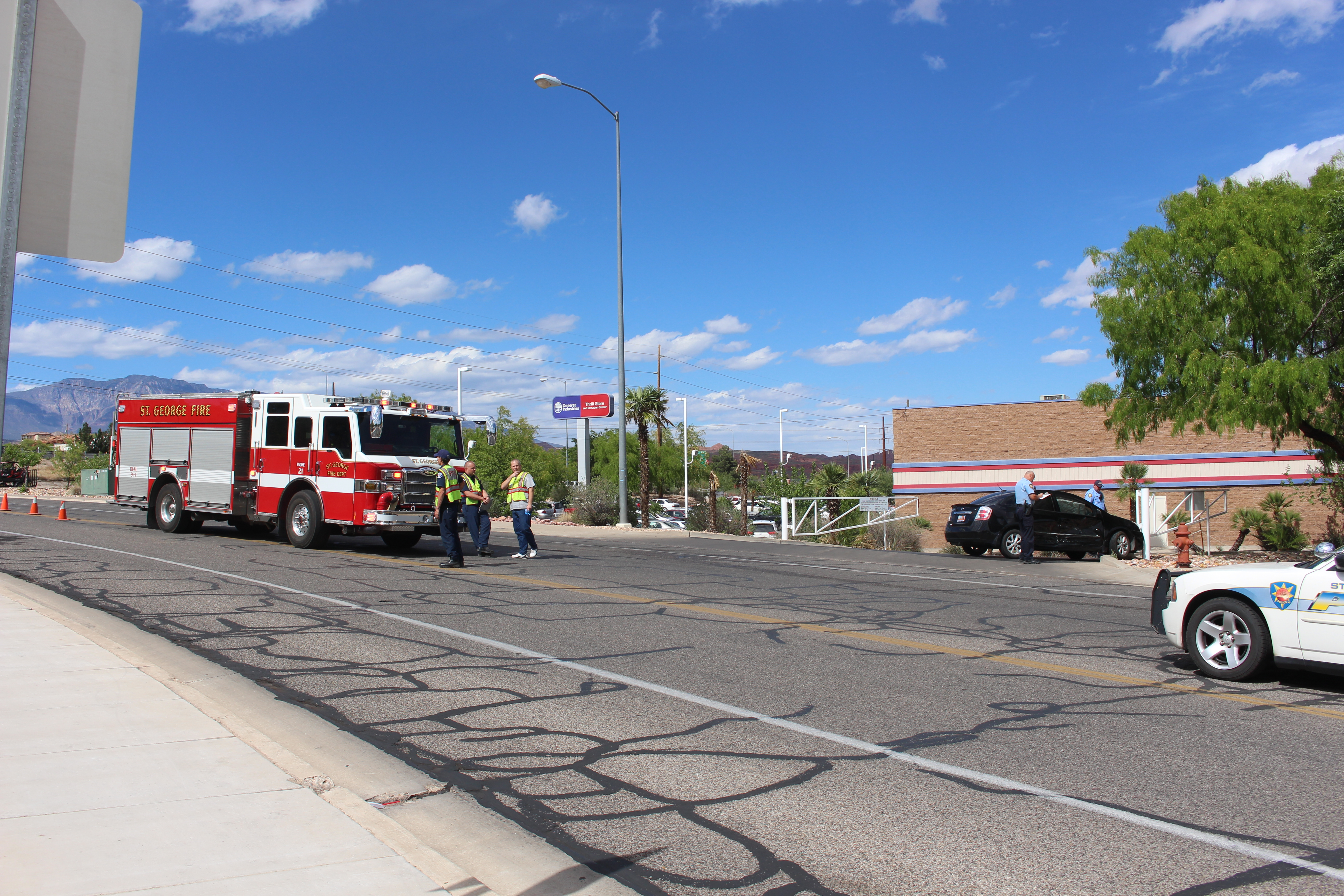 Courtesy wave leads to t bone collision cedar city news for Mercedes benz st george utah
