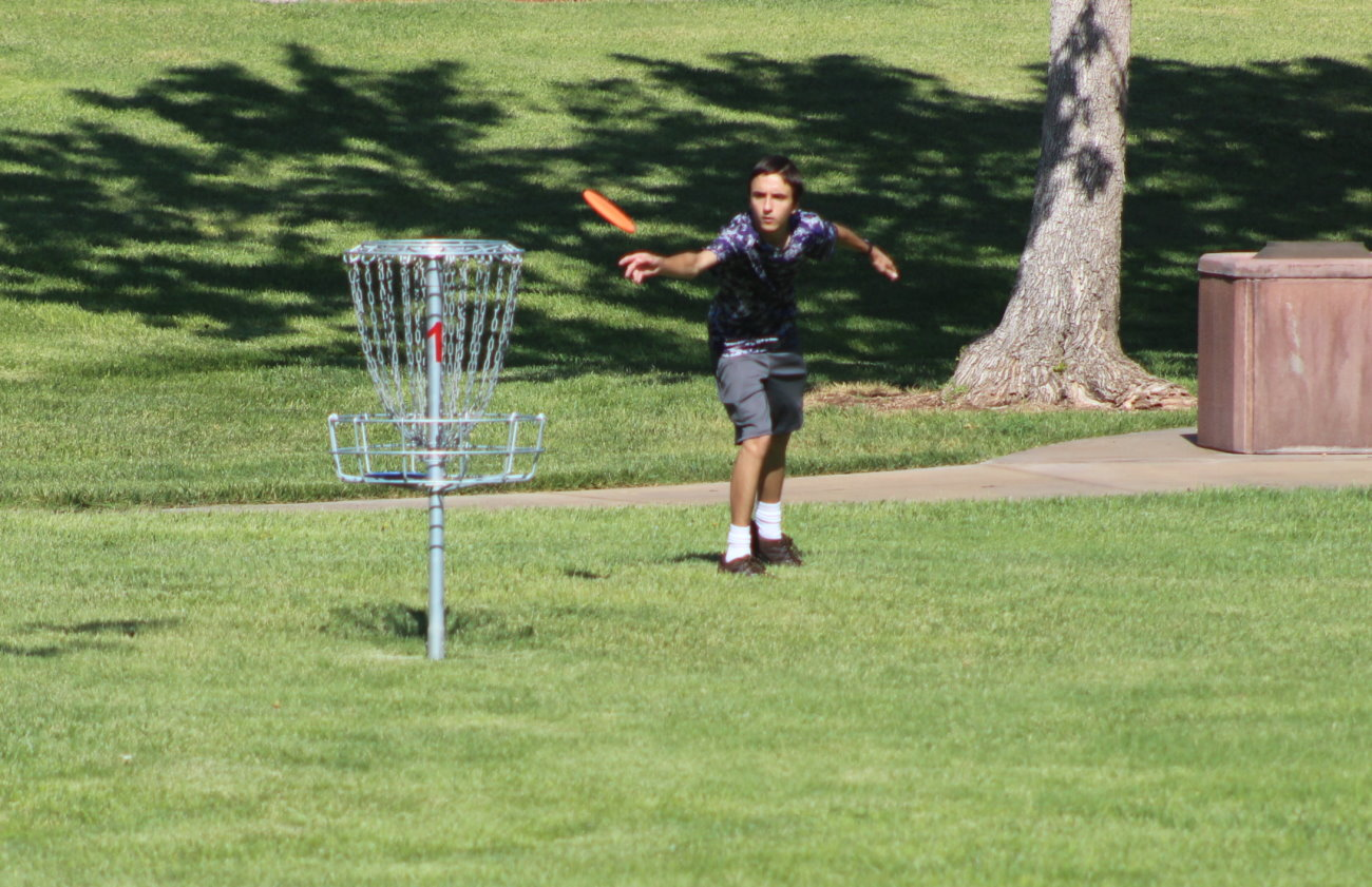 Throwing a hole in one: Eagle Scouts build new disc golf ...