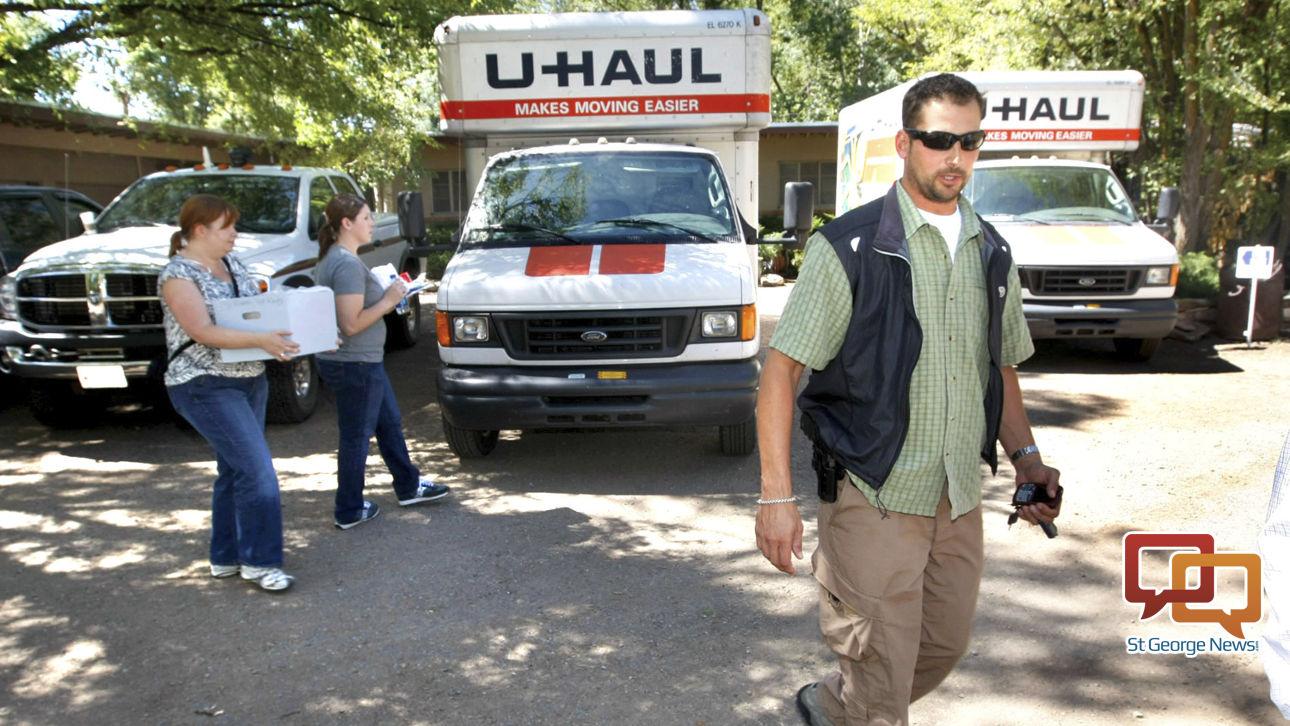 Investigators say federal agent involved in Bundy standoff