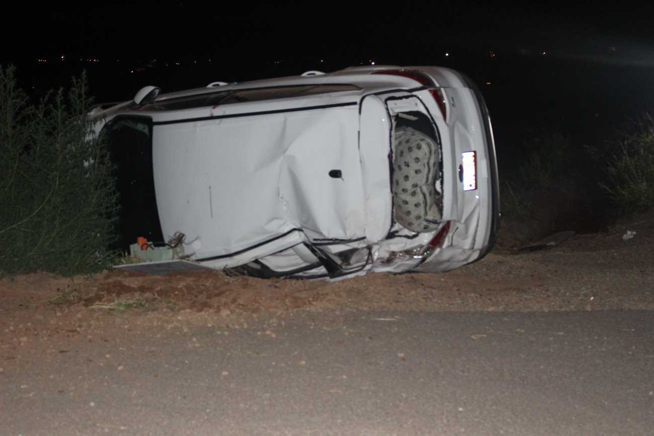 changing songs leads to crash on indian hills drive – st george news