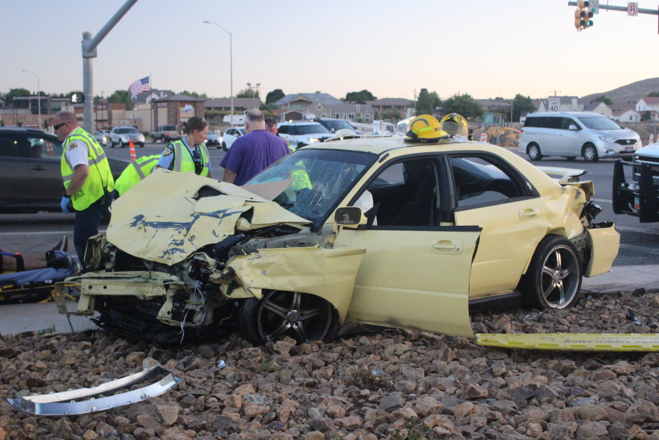 Crash at River Road intersection injures 4 juveniles – St George News