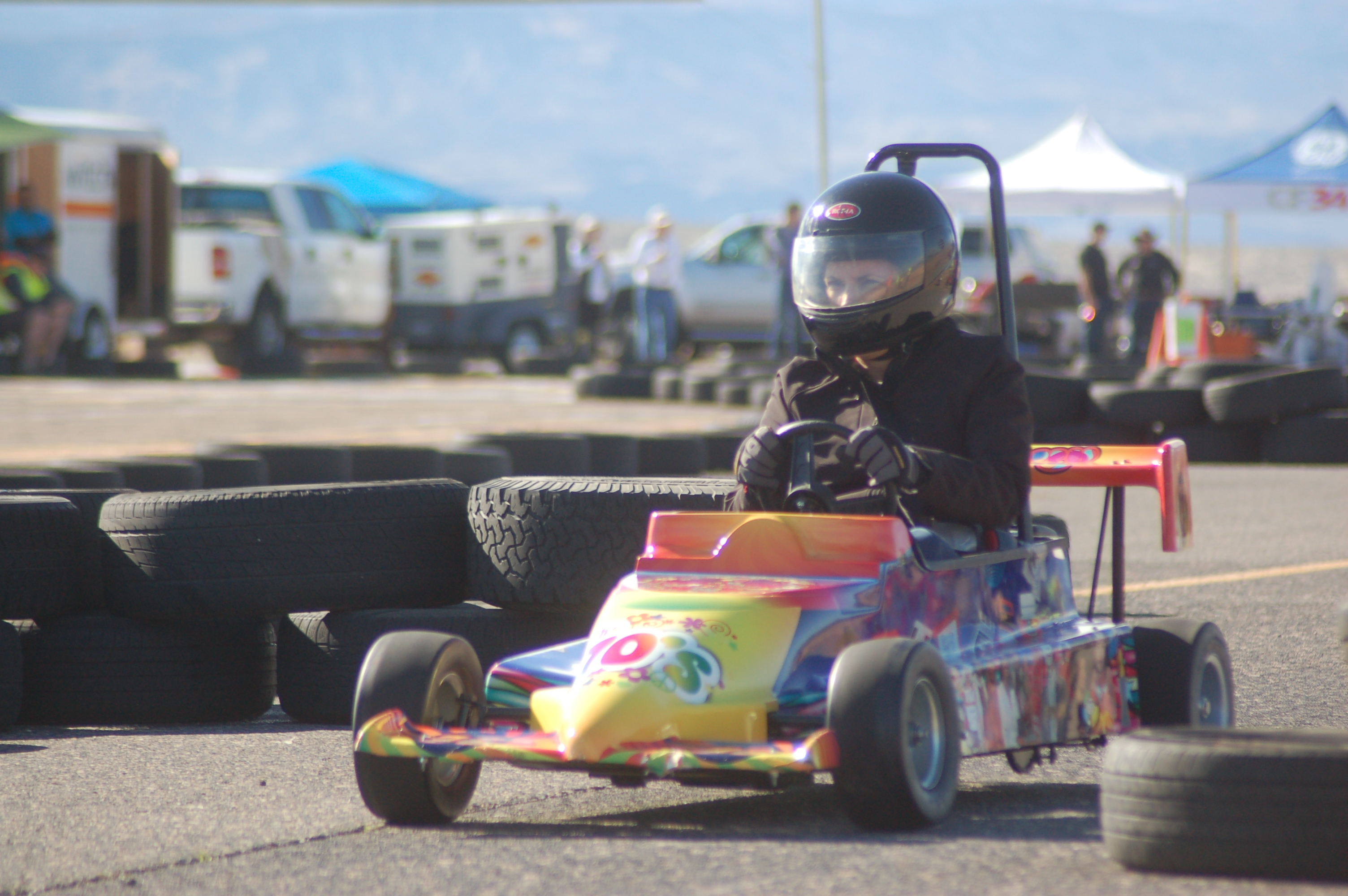 For fun and funds: SkyWest Mini Indy racers soar around \'Ridgetop ...