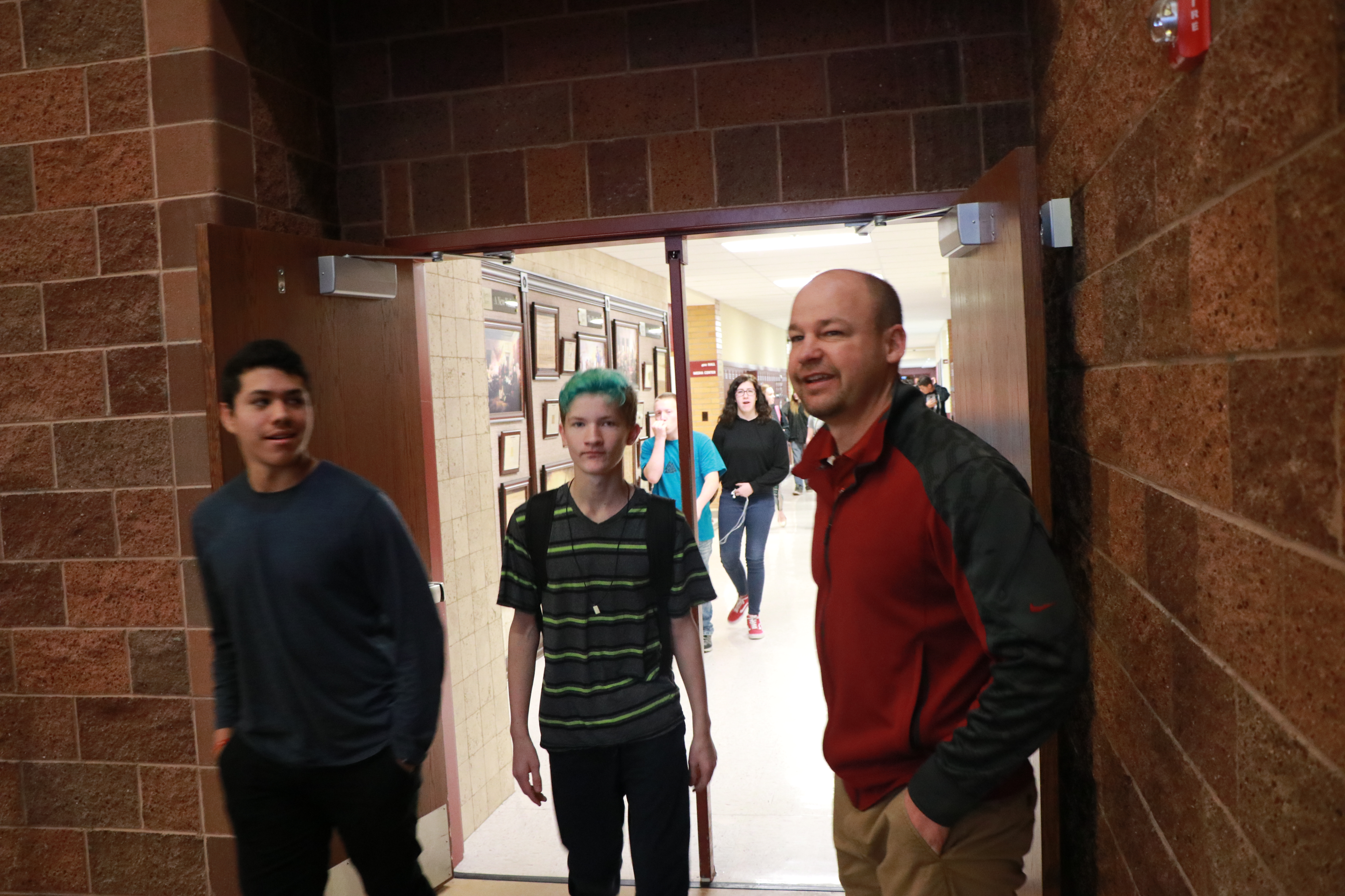 About 100 Cedar High Students Walk Out Of Class In Memory Of Shooting Victims Cedar City News