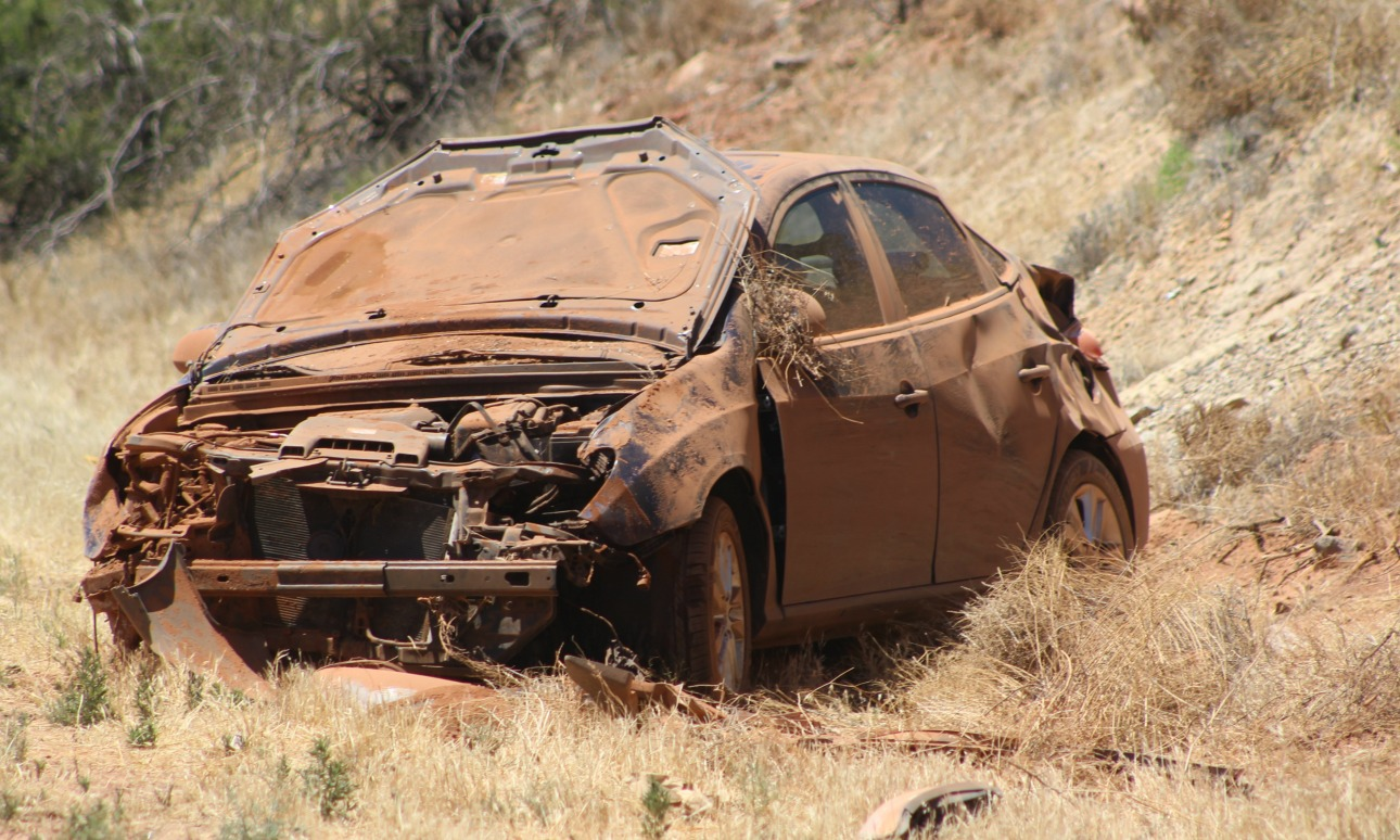 Car bounces between 2 vehicles, slams into embankment off I-15 – St ...