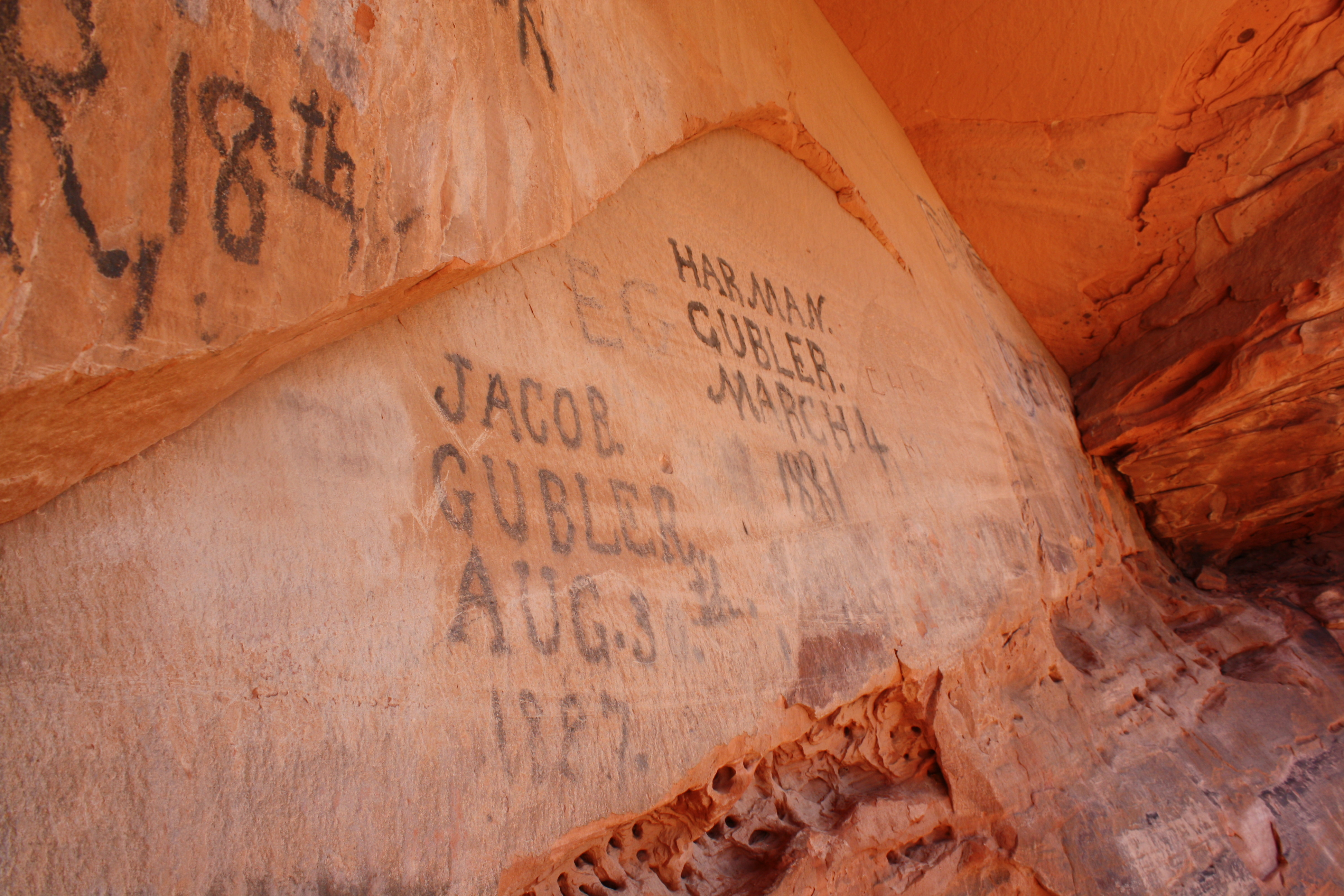 Snow Canyon day; a breathtaking land of stark contrasts – St ... on recapture canyon ut map, bryce canyon ut map, fremont indian state park ut map, starvation state park ut map,