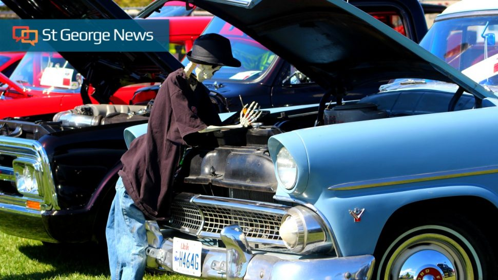 Car Show Featuring Hundreds Of Vintage Beauties Honors First - Car show pics
