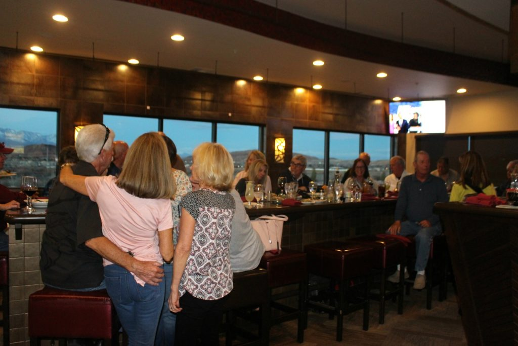 Chef Hog's Oyster Bar & Grill in SunRiver packed with guests