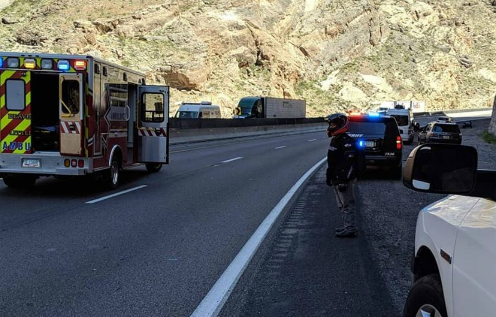 Crash in Gorge kills 1 motorcycle rider, second rider transported to
