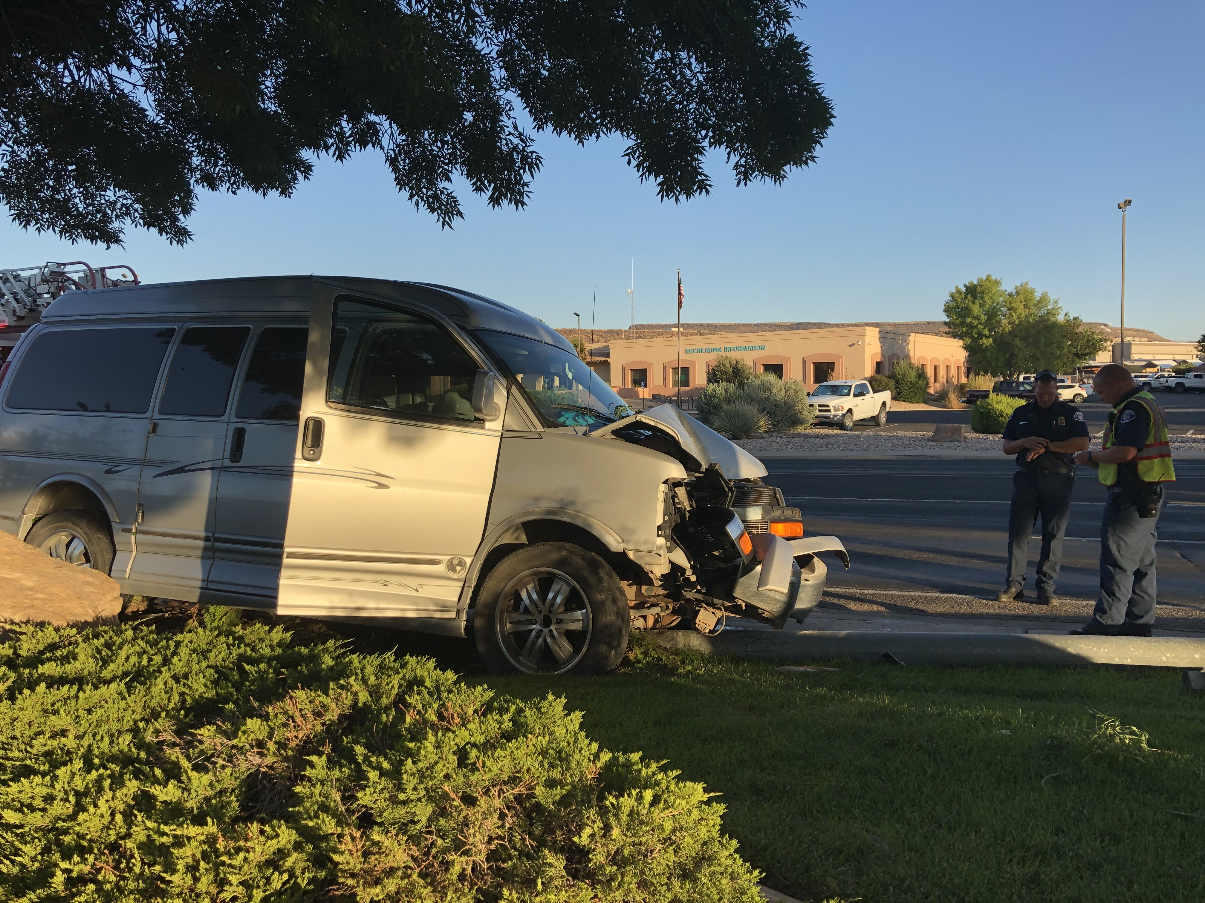 Officers Look For Man Involved In A Single Vehicle Crash Potential Drunk Driving Incident St George News