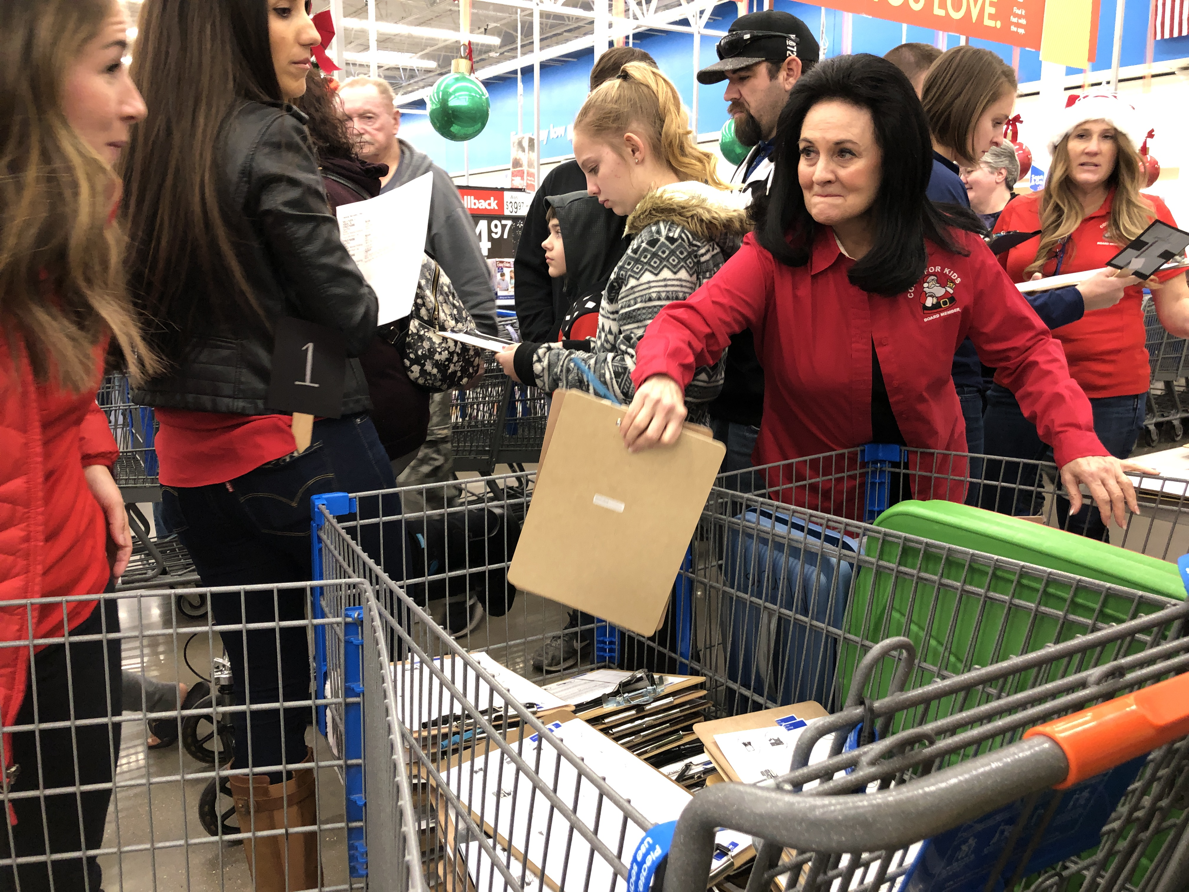 Christmas 2020 Volunteer Opportunities St George Ut Hundreds of smiling faces line up to volunteer for KONY's Coins